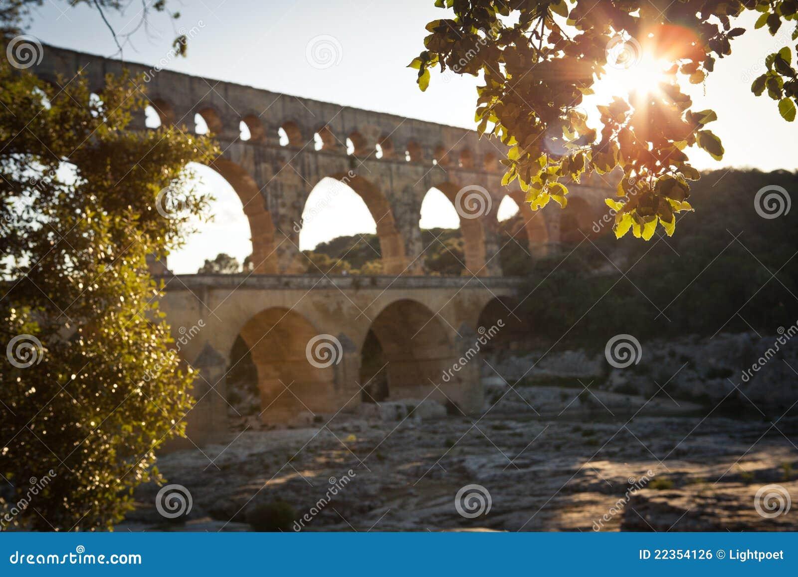 Pont du加尔省,朗戈多克-鲁西荣