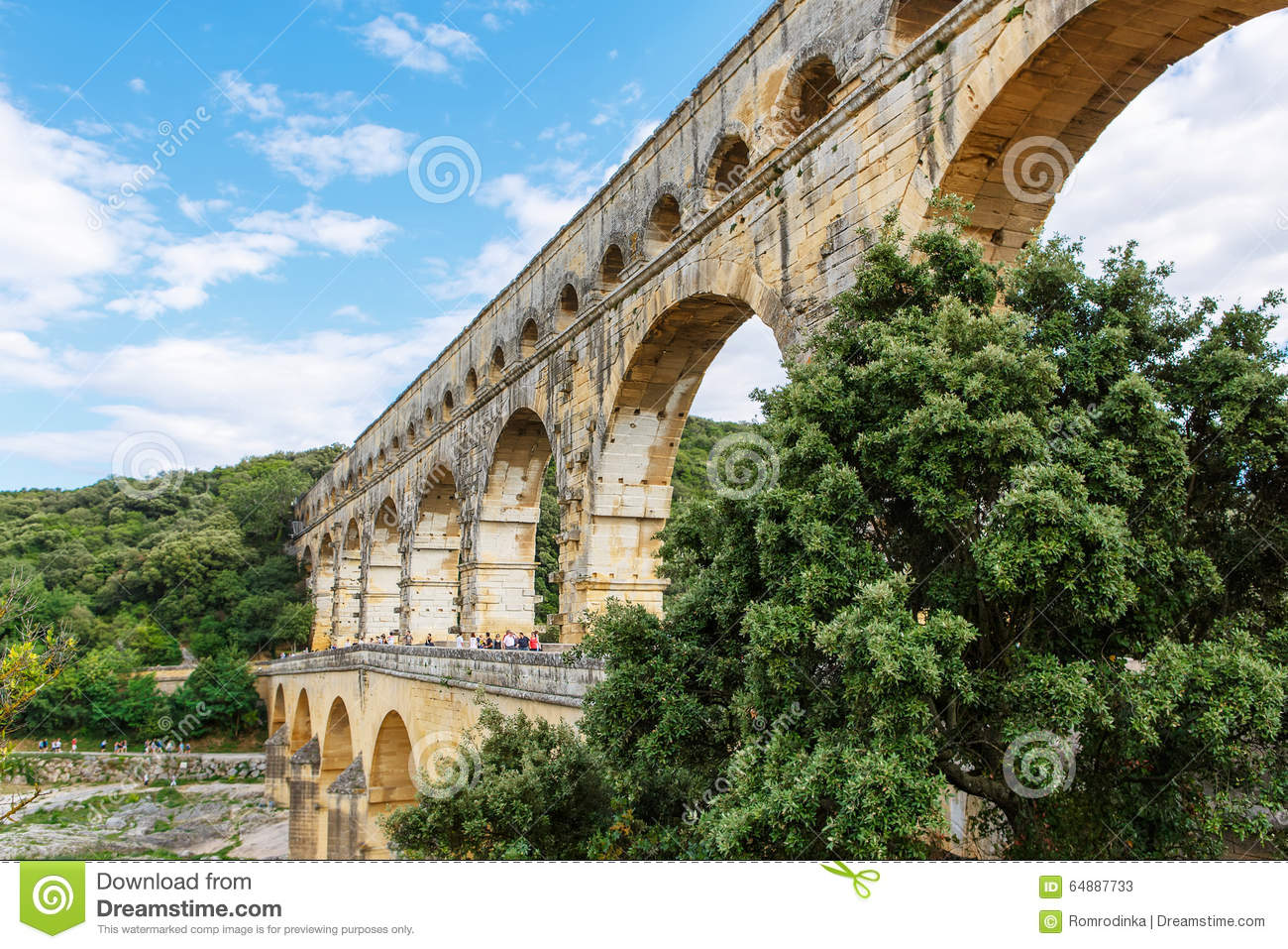 How Old Is The Aqueduct At Nimes 60