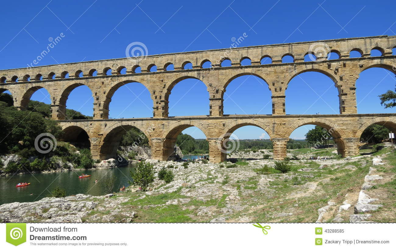 Pont du gard stock image image of kayak languedoc for Pont du gard architecte