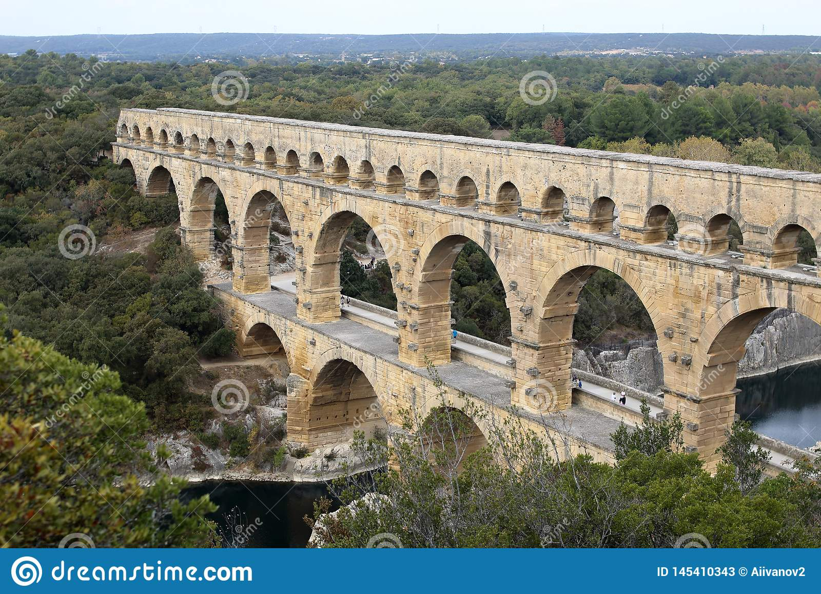 Pont du il Gard Ampia vista dell aquedotto romano antico