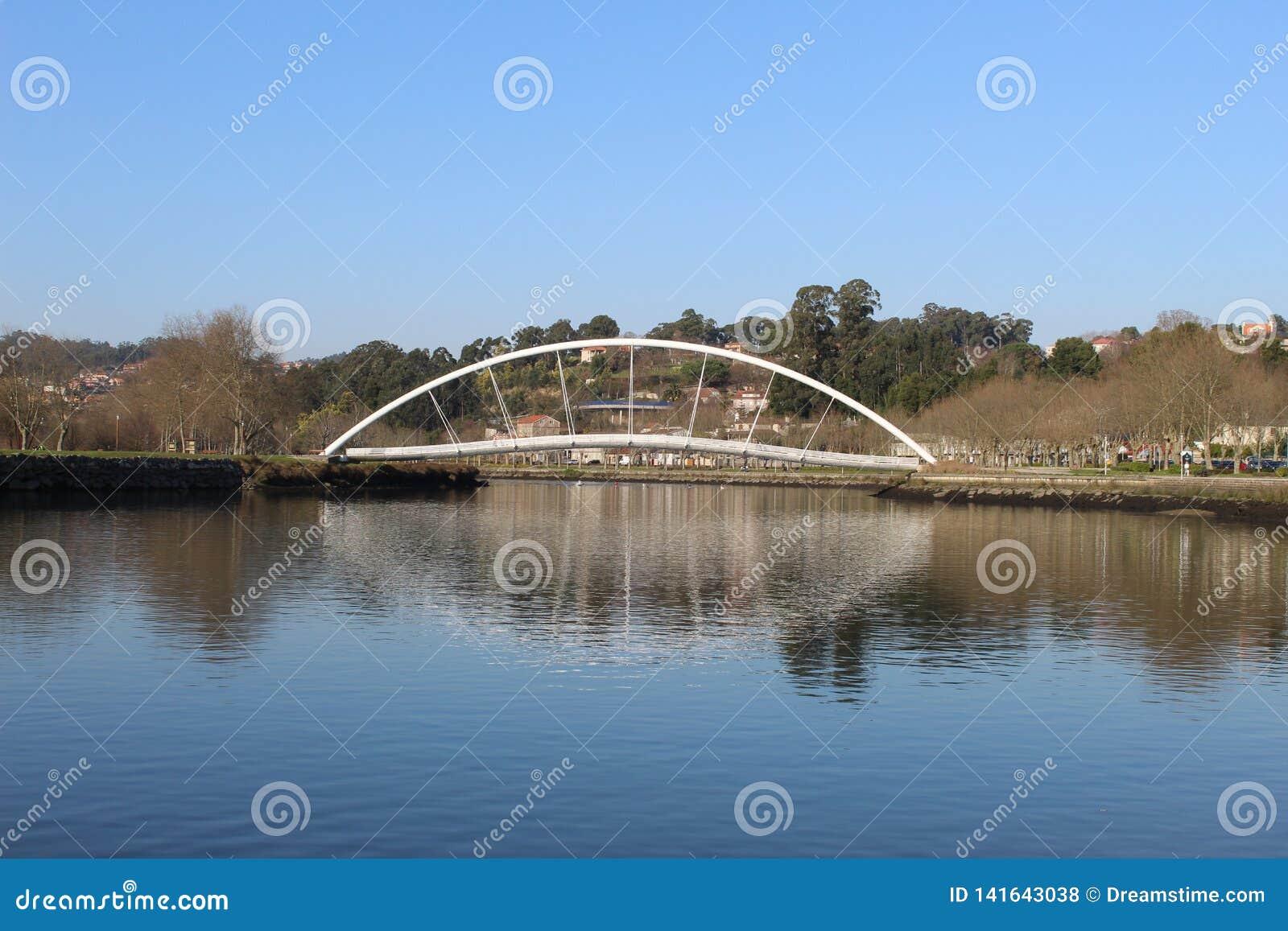 Pont en tube à Pontevedra