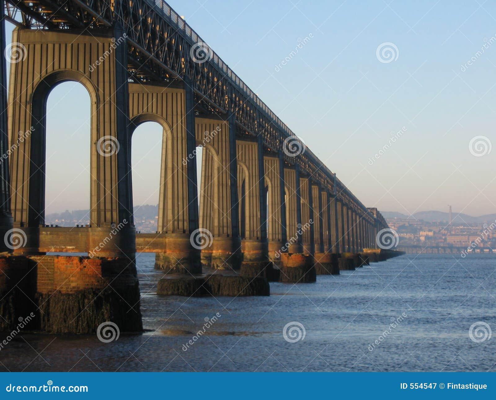 Pont et Dundee en longeron de Tay de fifre