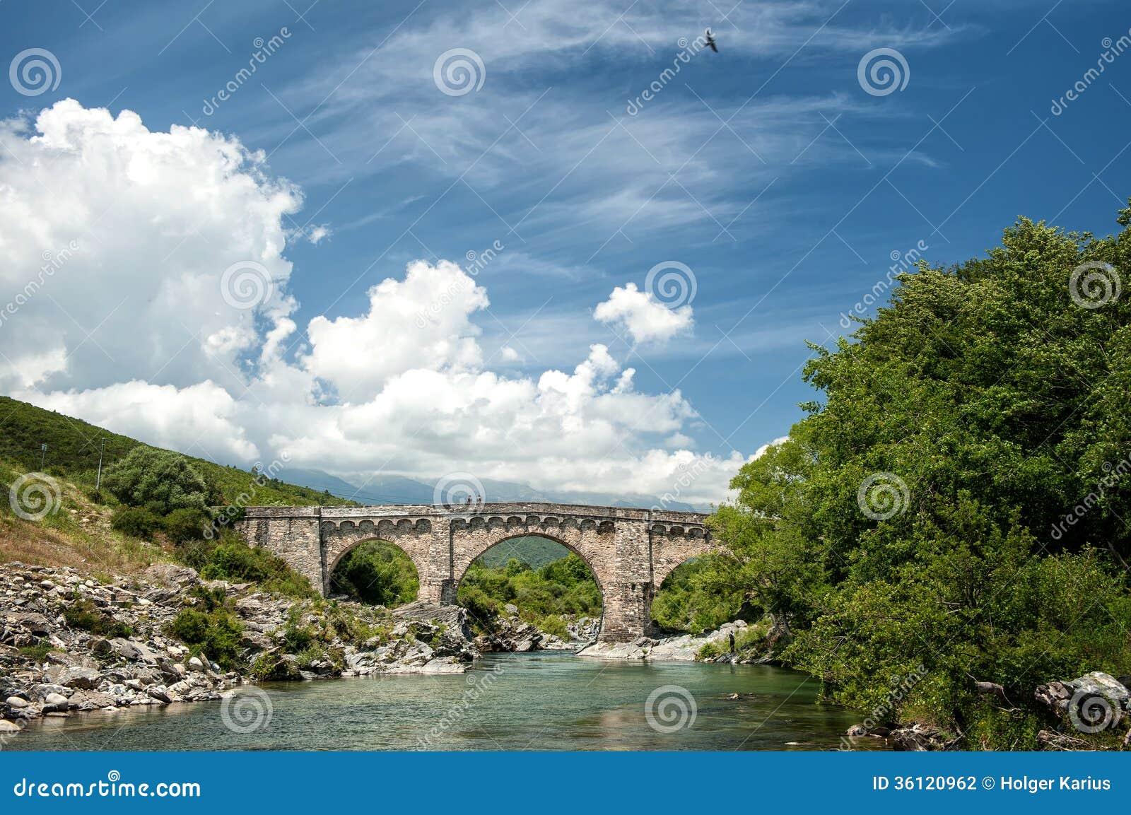 Pont Genovese près d Altiani (Corse)