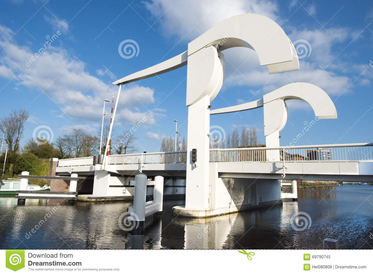 Pont Levis Image Stock Image Du Fleuve Type Traditionnel