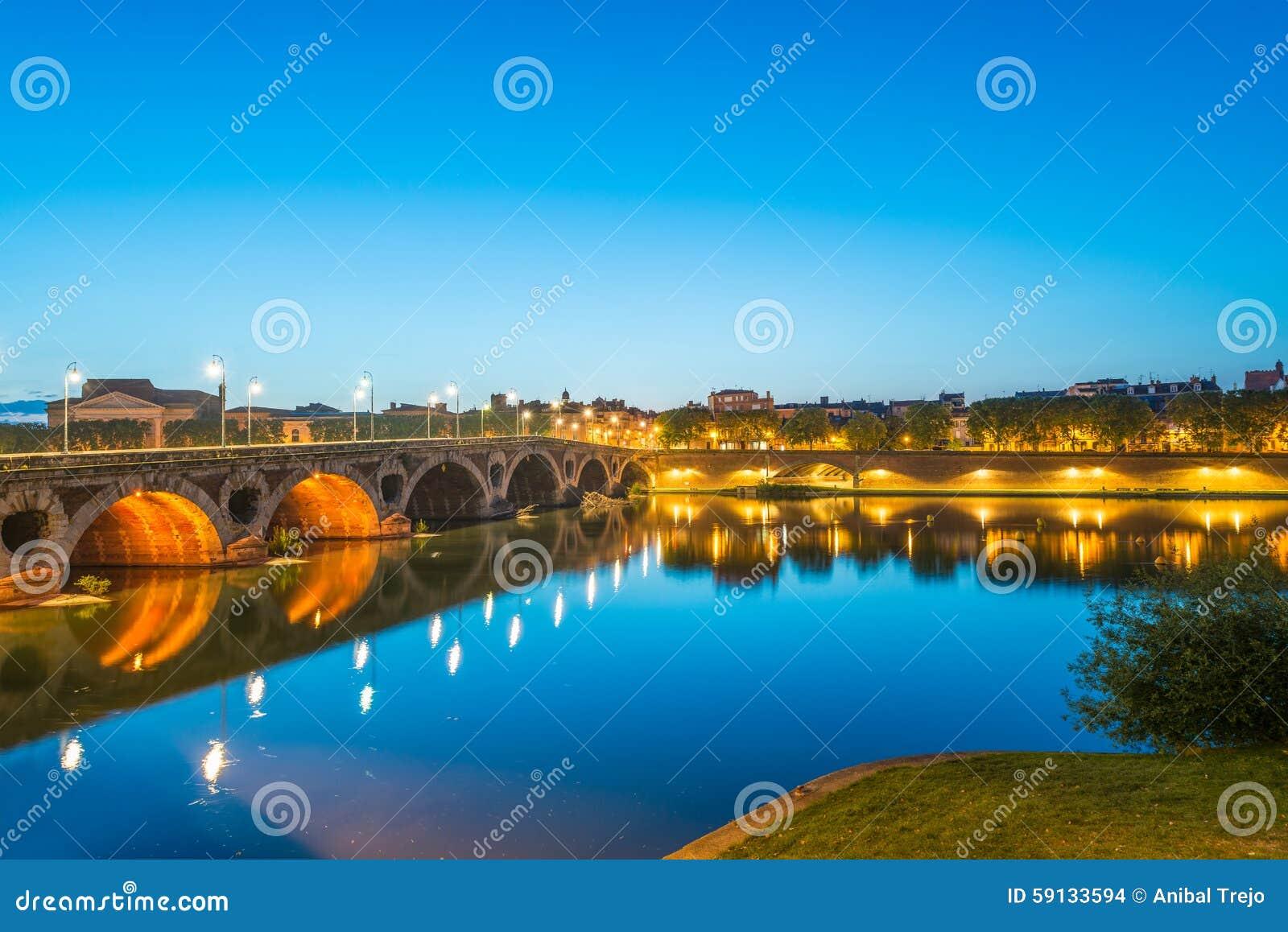 Pont Neuf à Toulouse, France