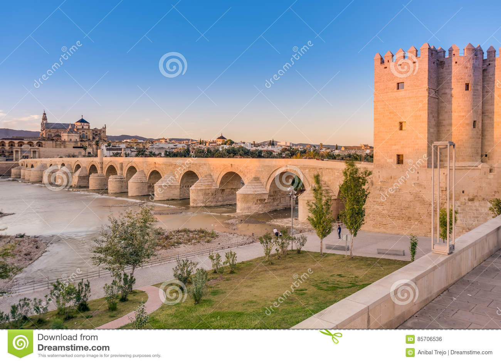 Pont Romain A Cordoue Andalousie Espagne Du Sud Photo