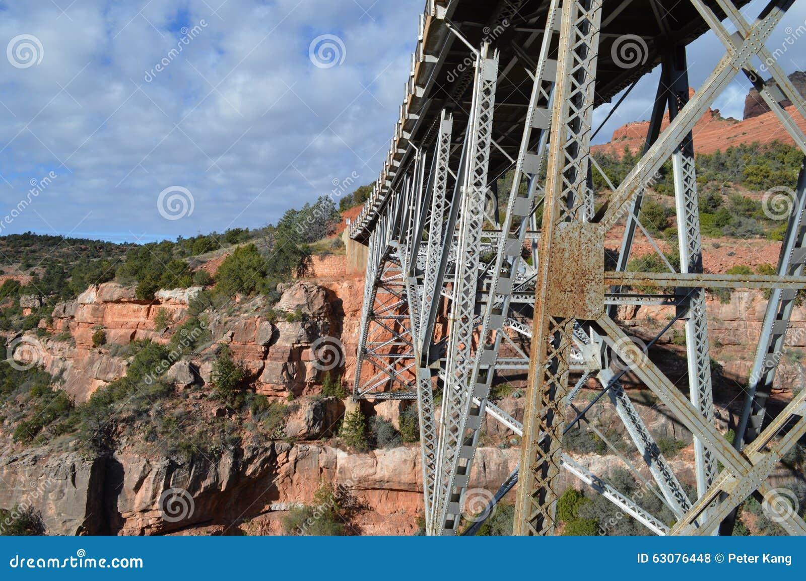 Download Pont Sedona Moutains photo stock. Image du gorge, maison - 63076448