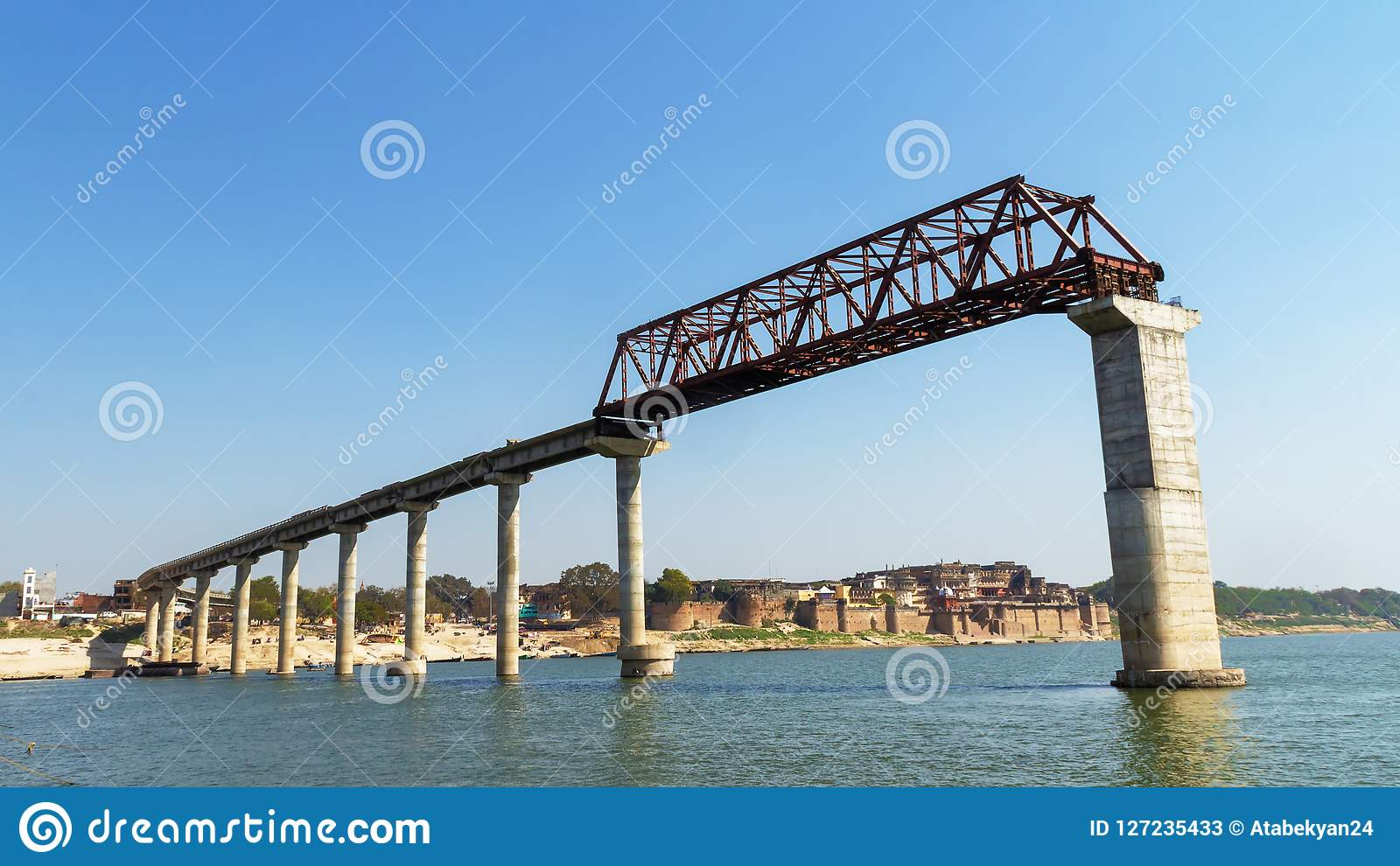 Pont sur la rivière de ganga dans l Inde, Varanasi