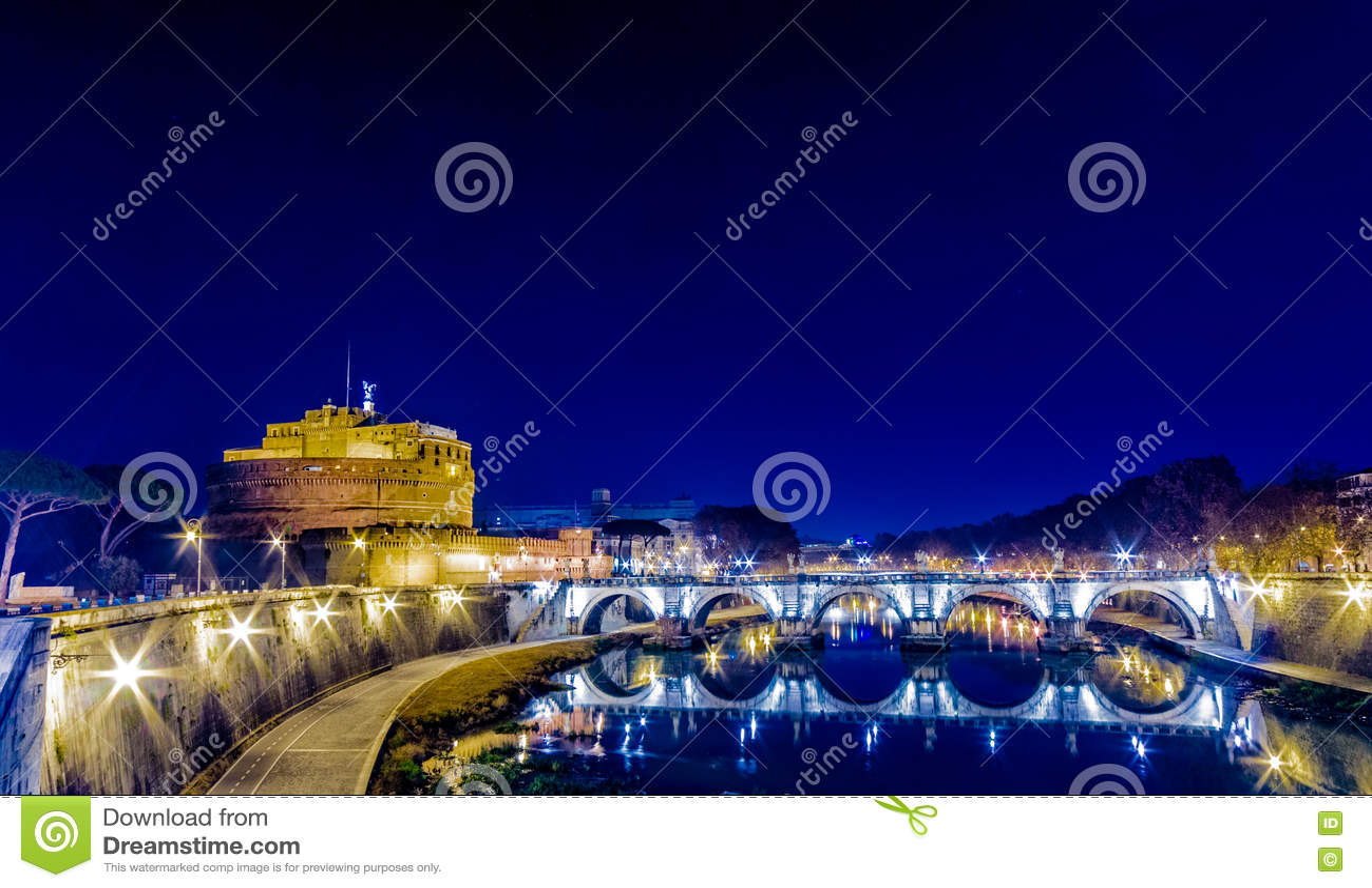 Pont sur la rivière du Tibre à Rome