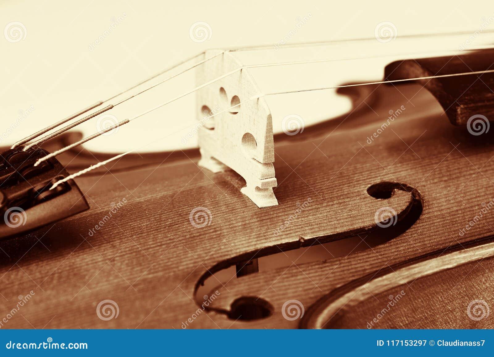 Pont violine, violon en bois dans le style de vintage