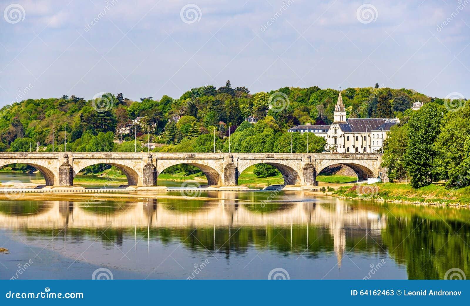 Pont Wilson sur la Loire dans les visites