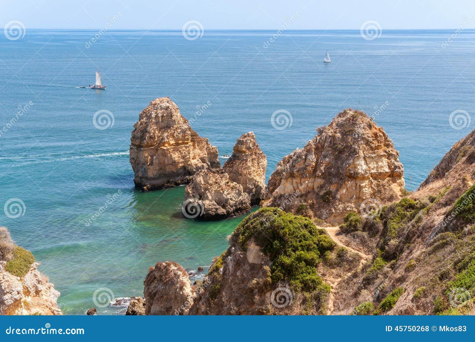 Ponta da Piedade, formazioni rocciose vicino a Lagos nel Portogallo