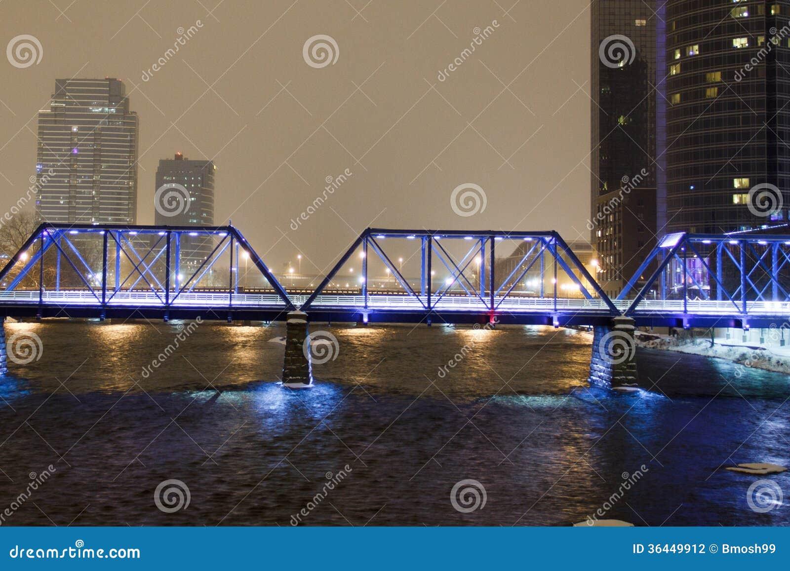 Ponte blu a Grand Rapids
