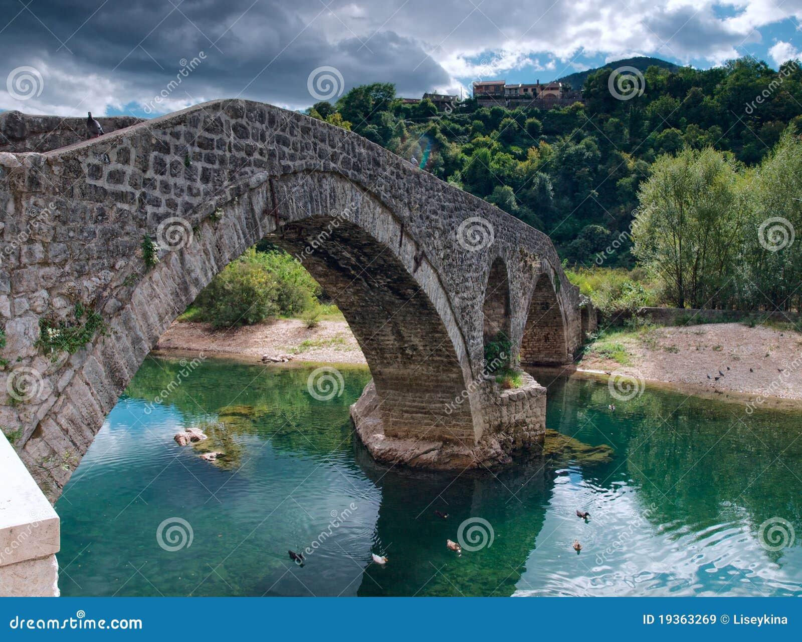 Ponte bricked antiga