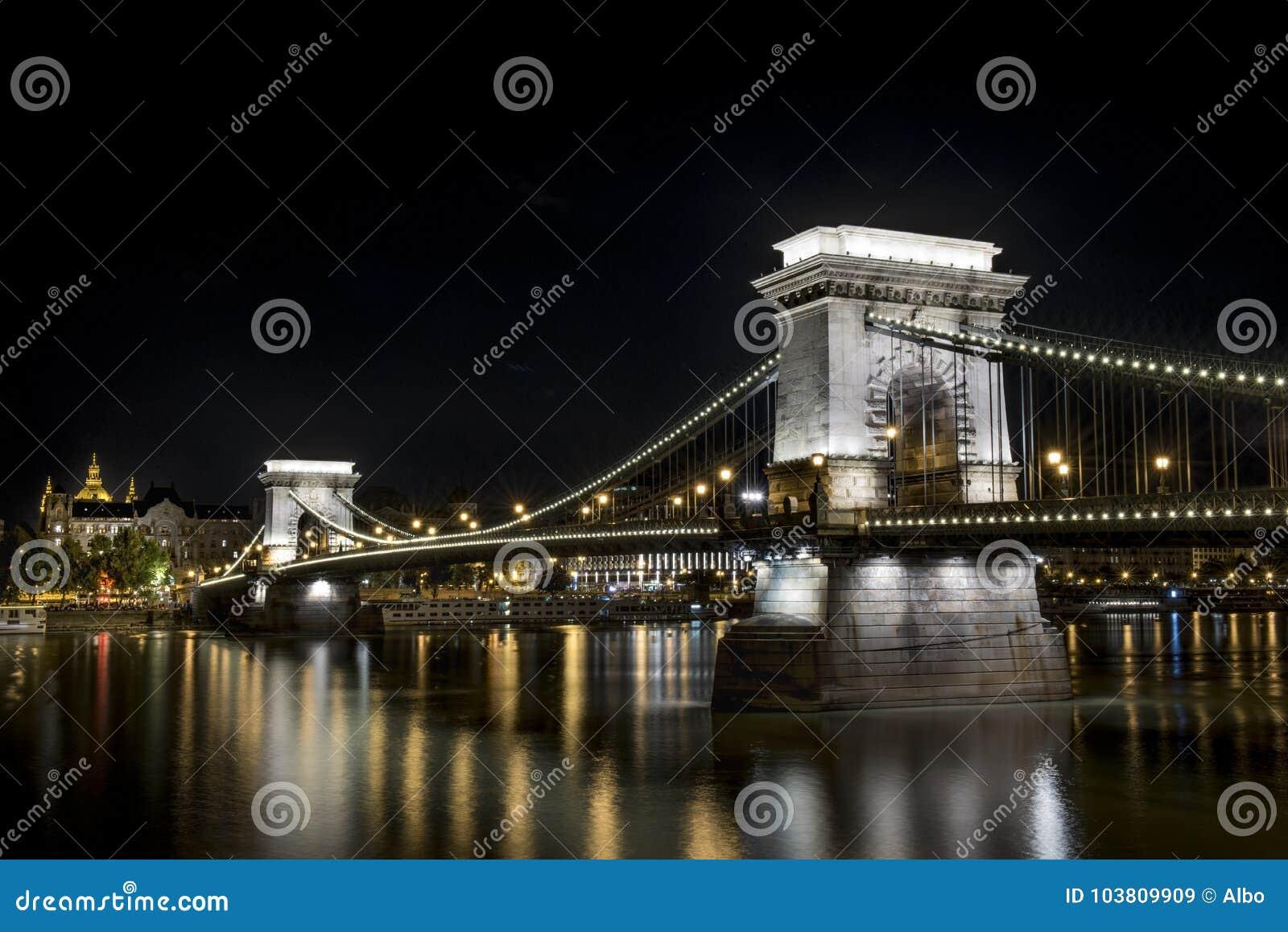 Ponte Chain em Budapest