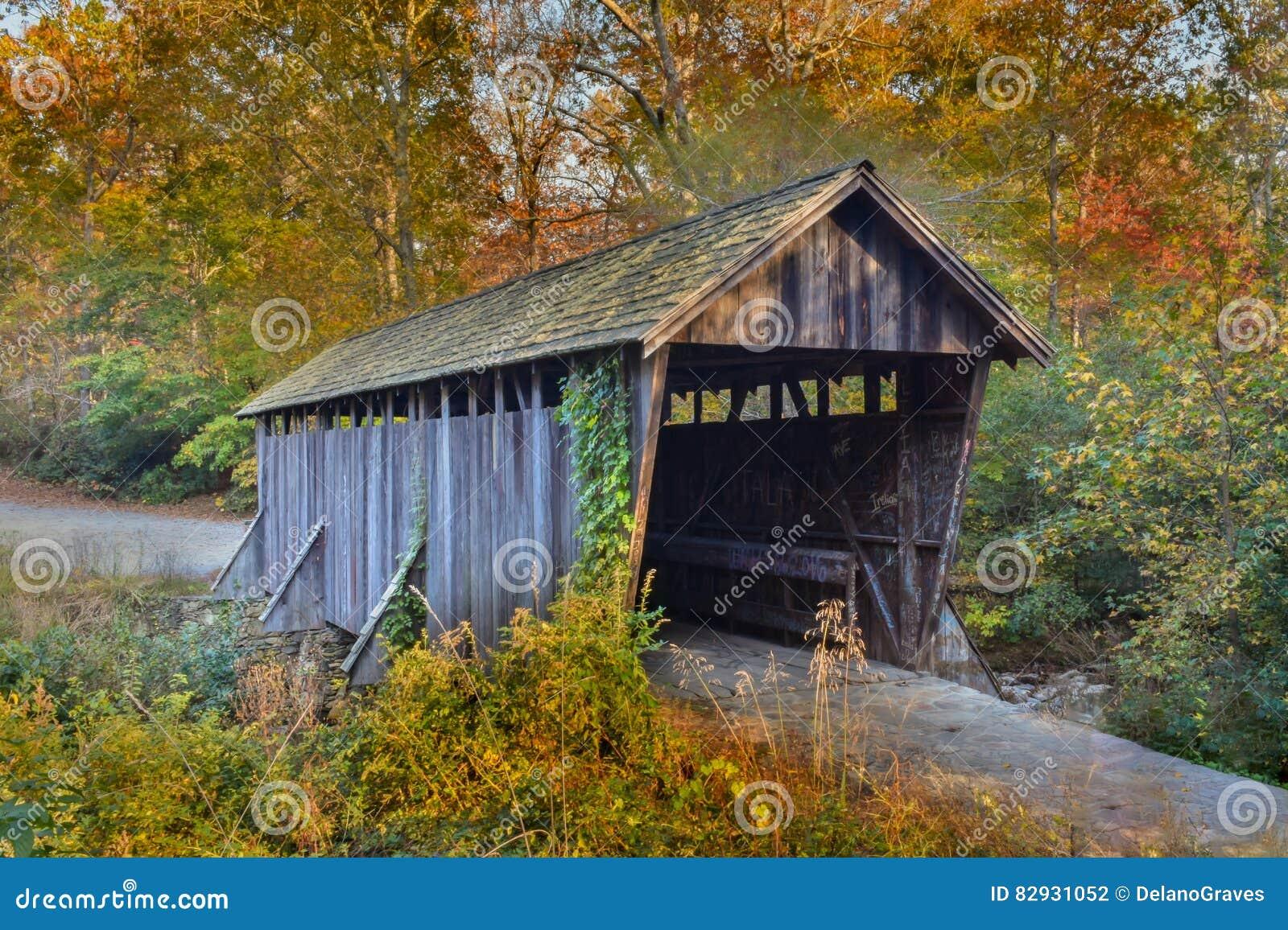 Ponte coperto di Pisgah, in autunno