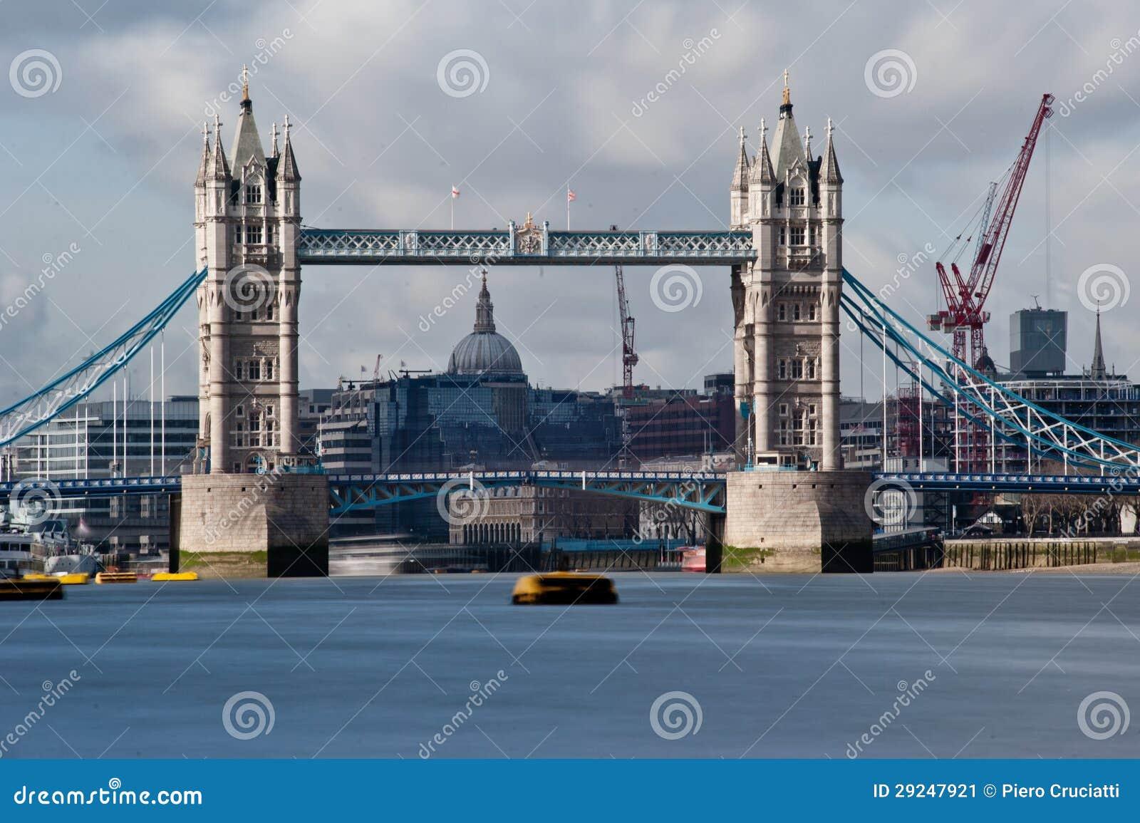 Download Ponte da torre - Londres imagem de stock. Imagem de tamisa - 29247921