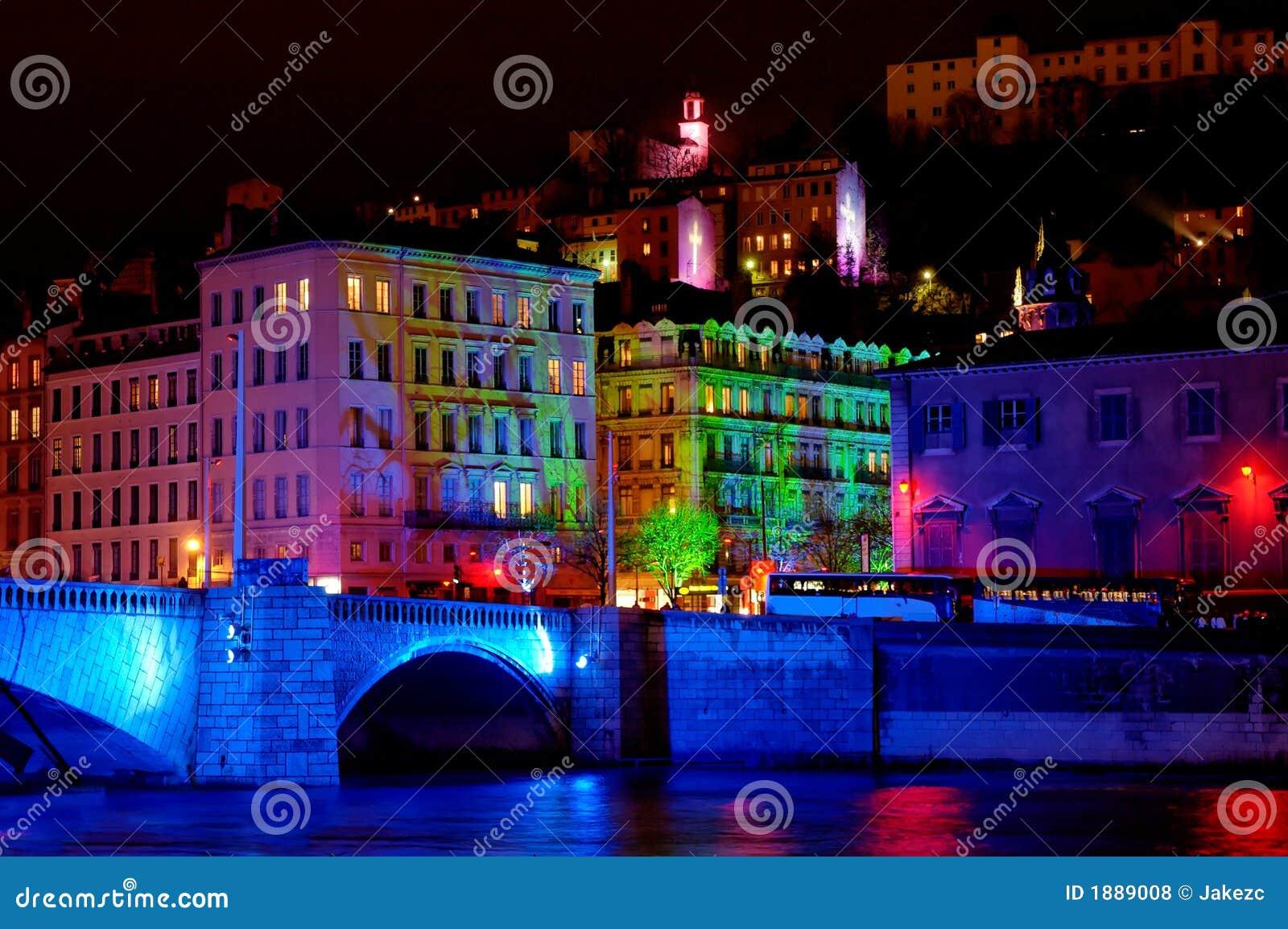 Ponte de Bonaparte no rio Saone (Lyon, France)