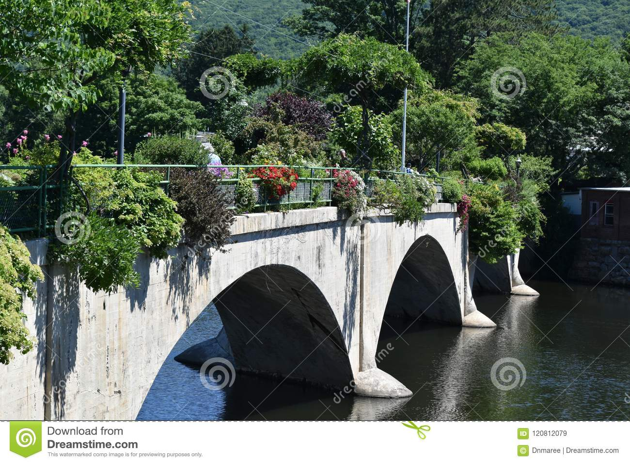 Ponte de Fowers, quedas de Shelburne, Franklin County, Massacusetts, Estados Unidos, EUA