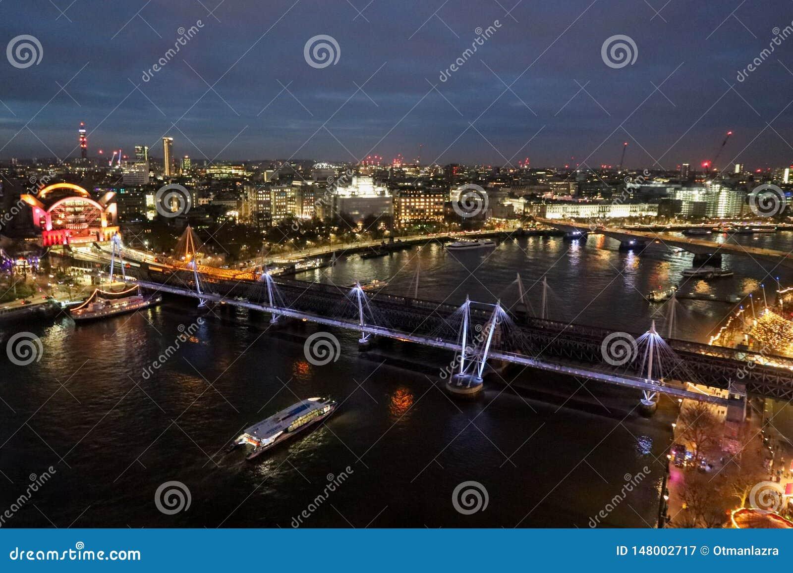 Ponte de Hungerford e pontes douradas do jubileu
