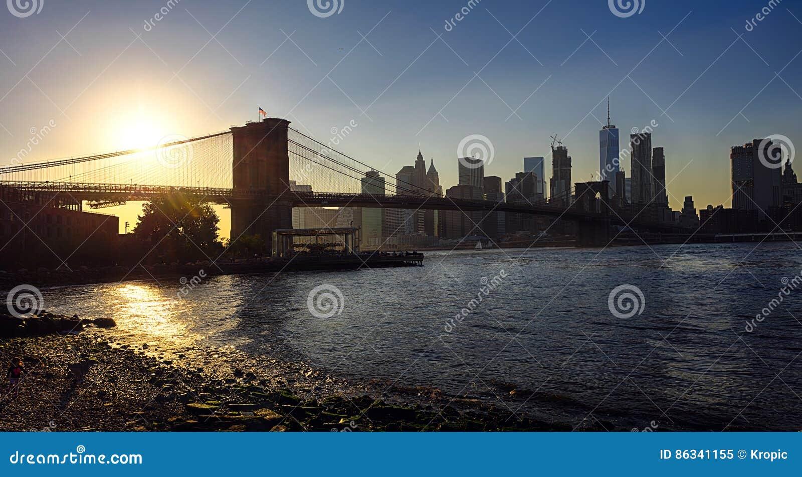 Ponte di brooklyn di new york e del centro immagine stock immagine 86341155 - Apartamentos en nueva york centro ...