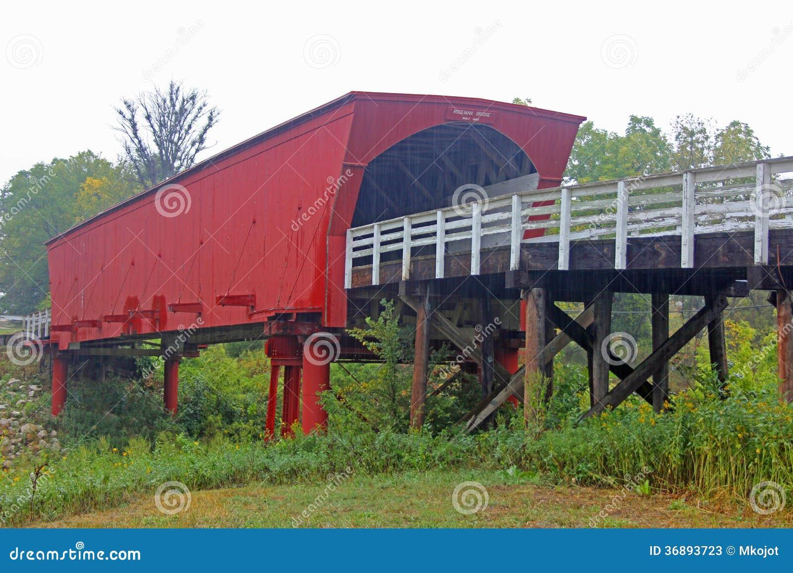 Download Ponte di Roseman, Iowa immagine stock. Immagine di paesaggio - 36893723