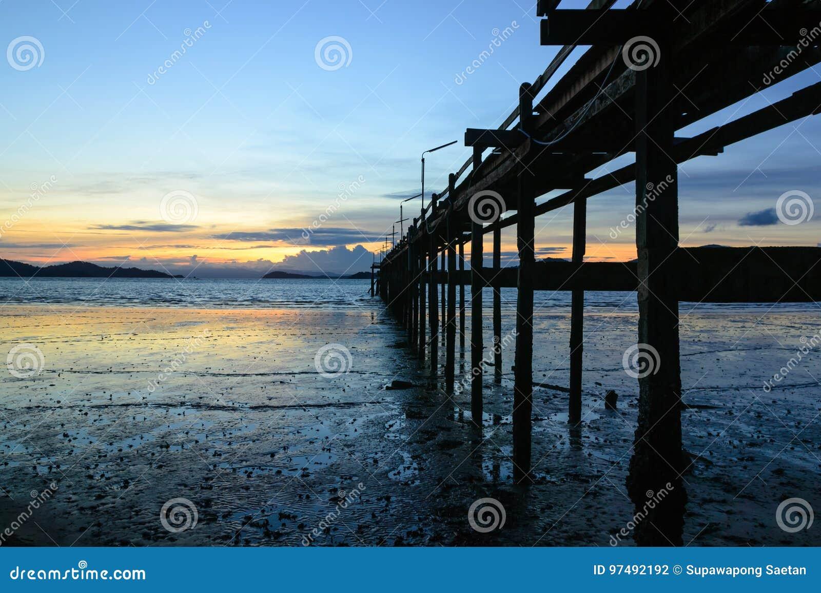 Ponte di tramonto