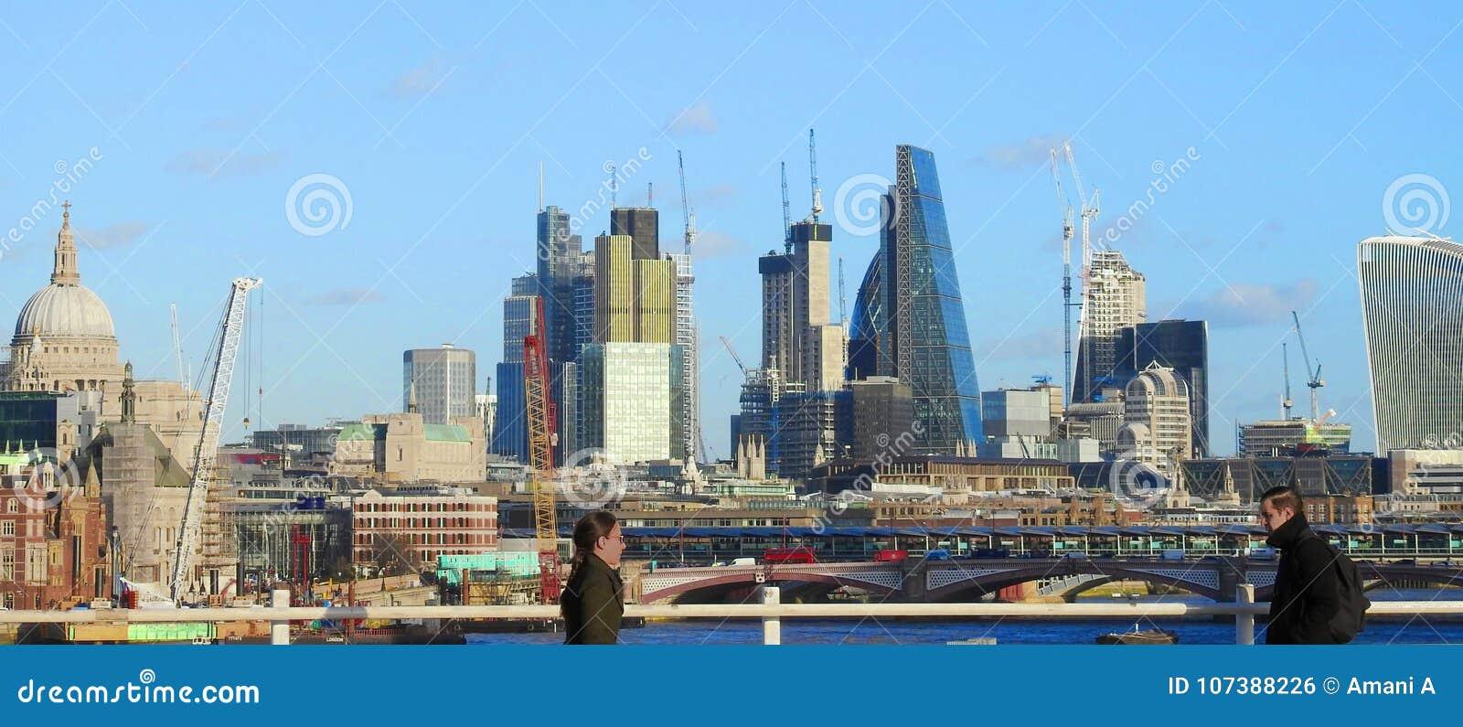 Ponte di Waterloo dell incrocio Londra, Regno Unito Gennaio 2017