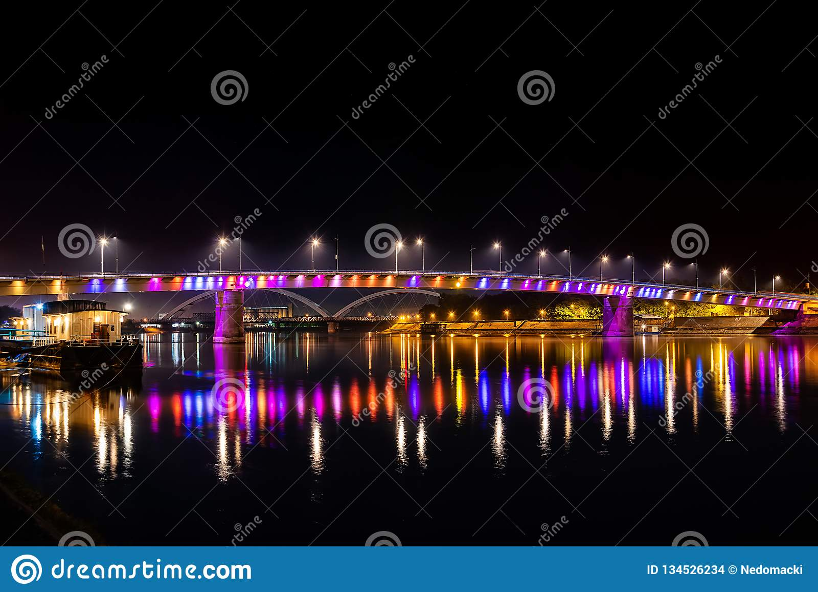 Ponte do arco-íris, Novi Sad, Sérvia