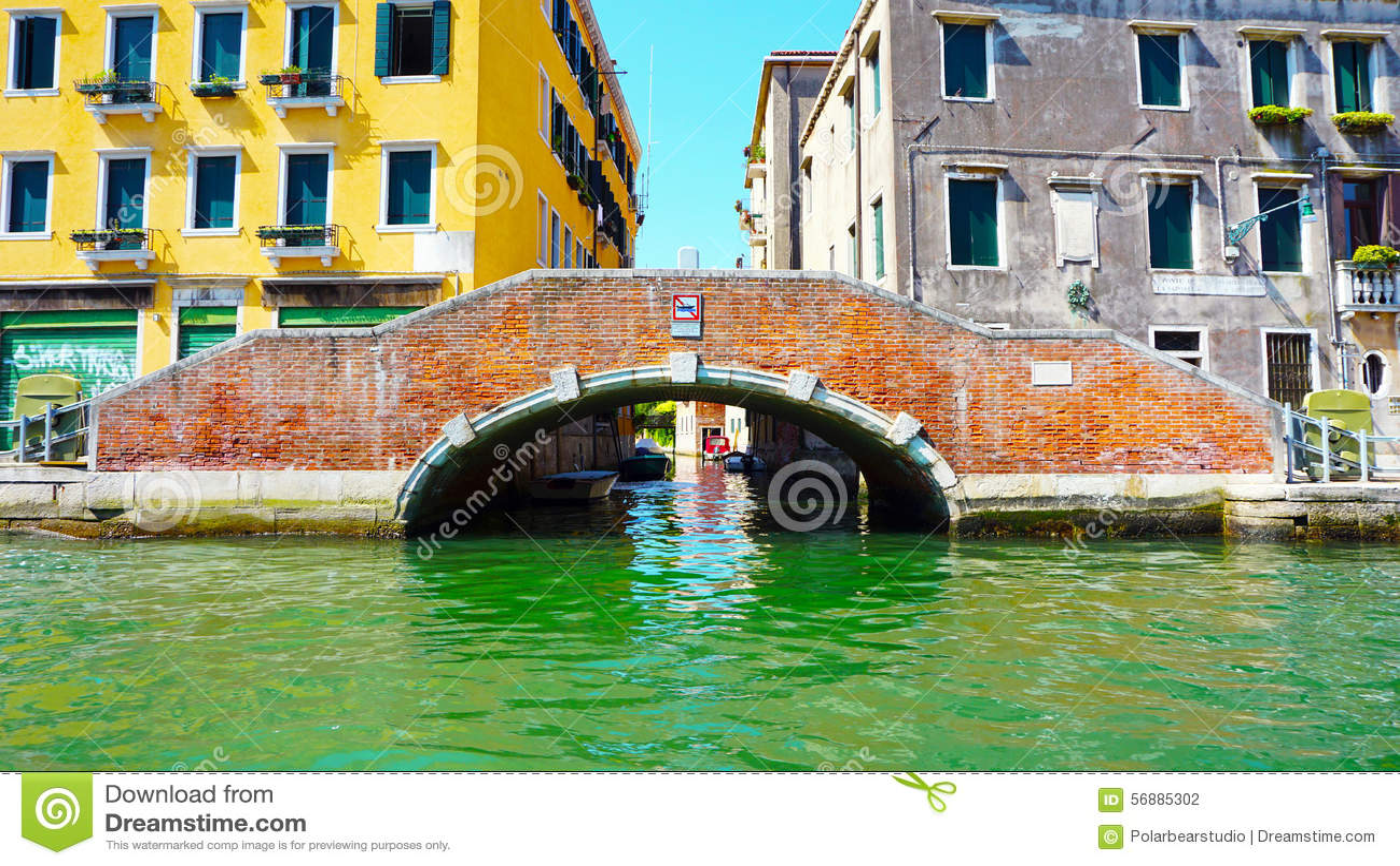 Ponte ed acqua di Burano