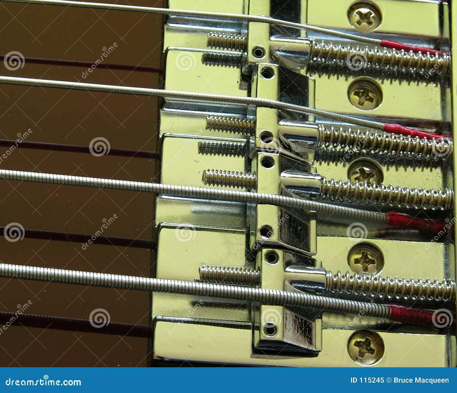 Ponte elétrica 1 da guitarra baixa