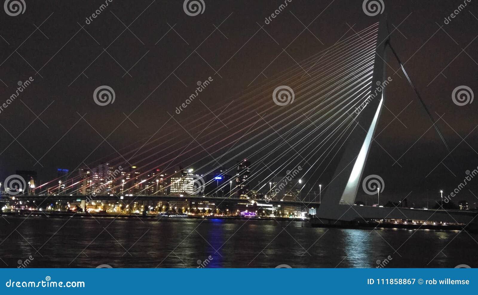 Ponte em a noite