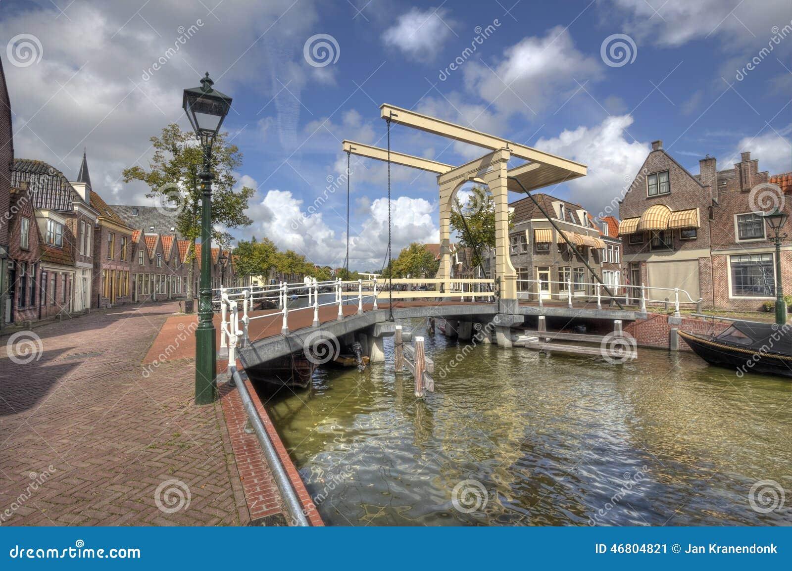 Ponte mobile a alkmaar olanda fotografia stock immagine for Mobile a ponte