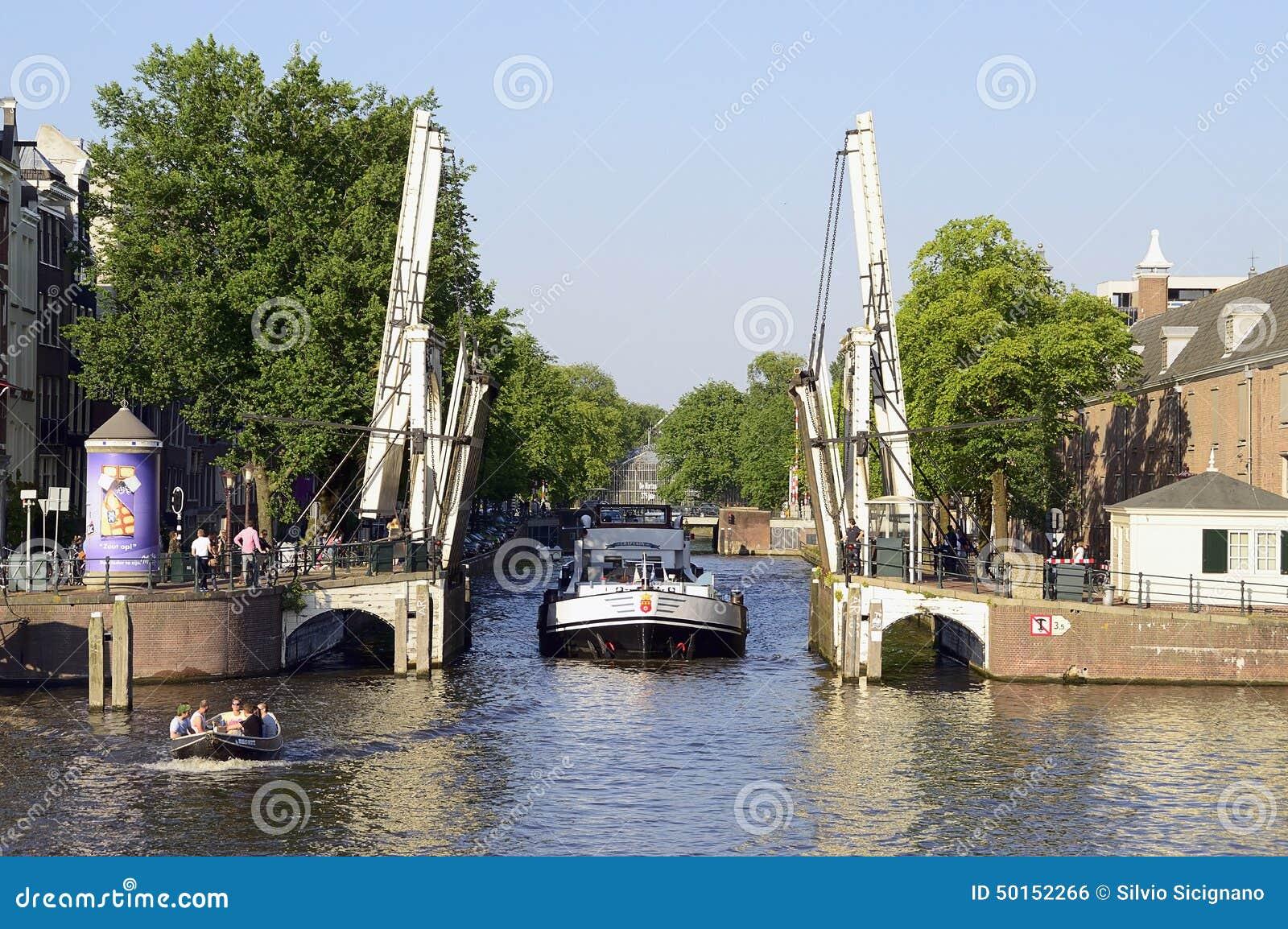 Ponte mobile ponte canale olanda amsterdam fotografia for Mobile a ponte