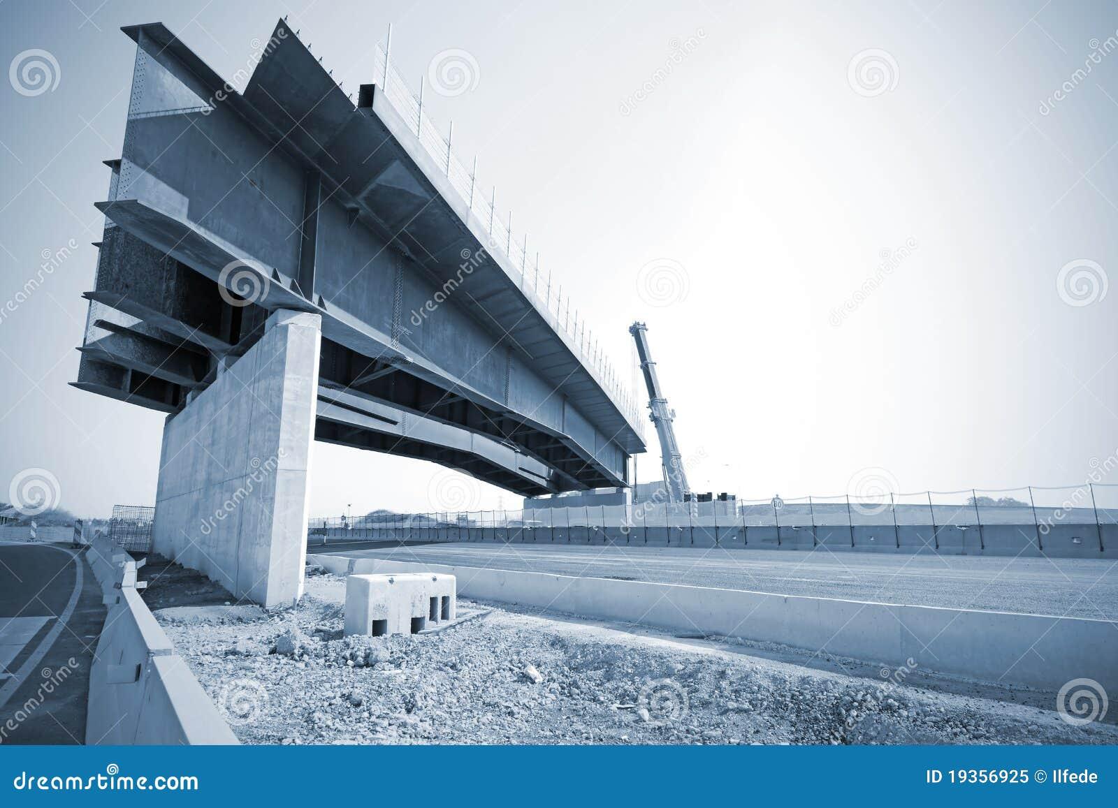 Ponte na estrada