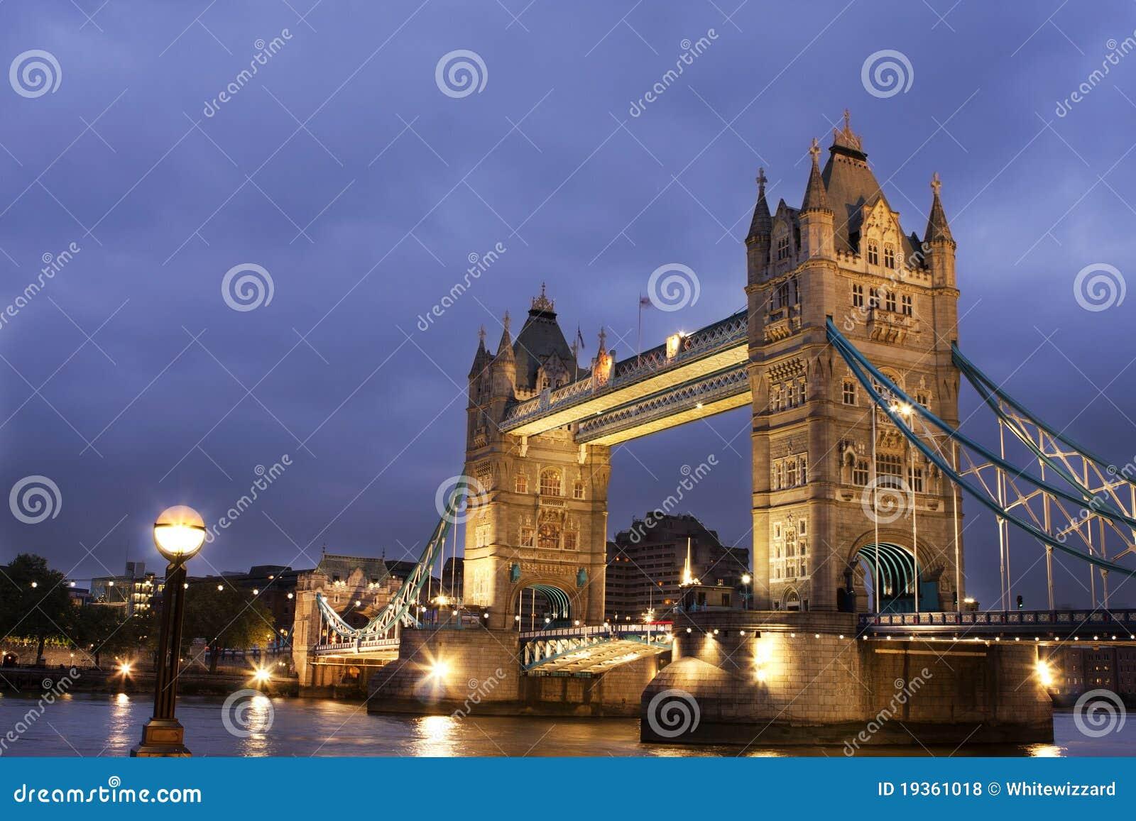 Ponte na noite, Londres da torre, Reino Unido