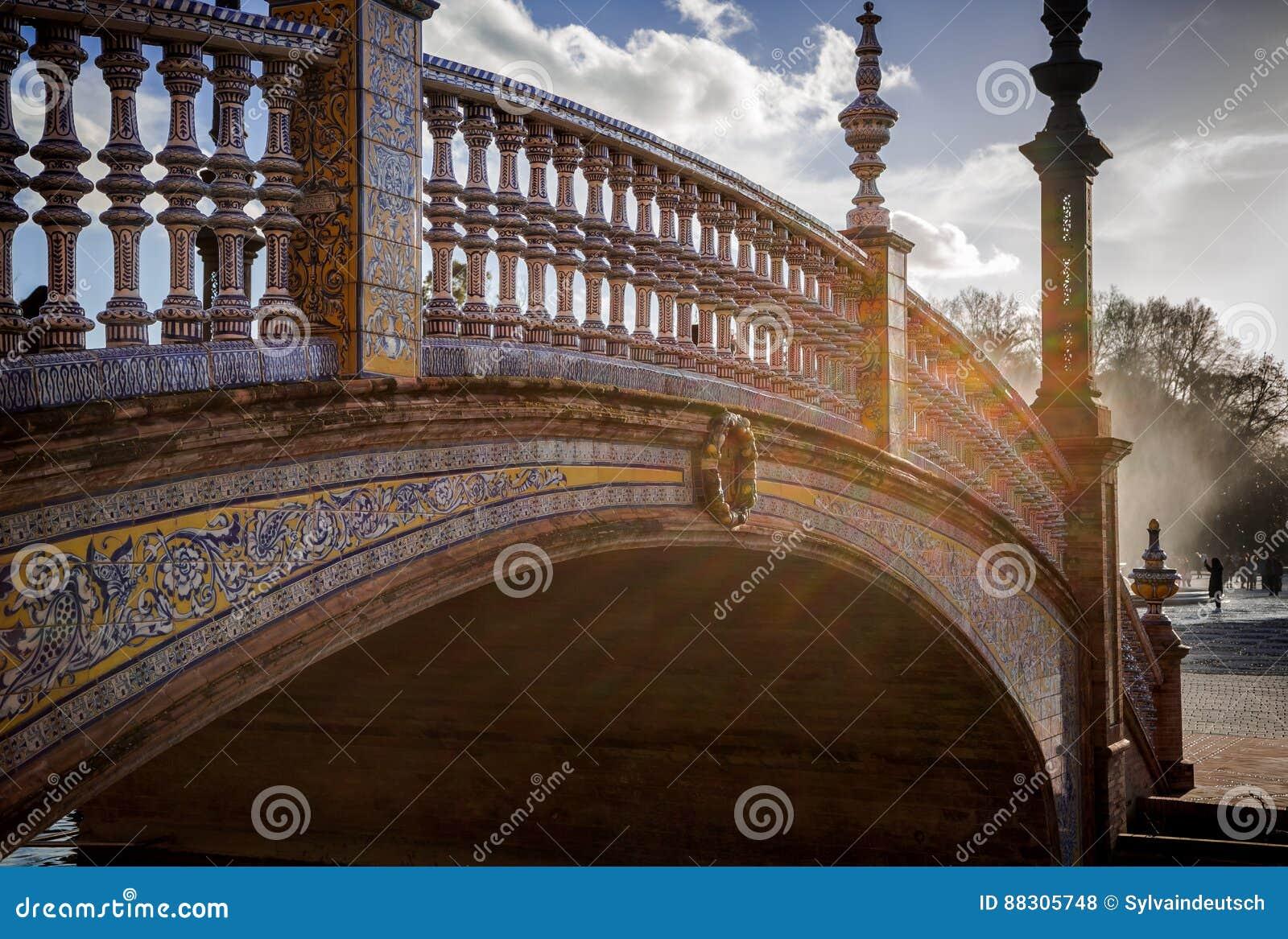 Ponte no quadrado espanhol, Sevilha, Espanha