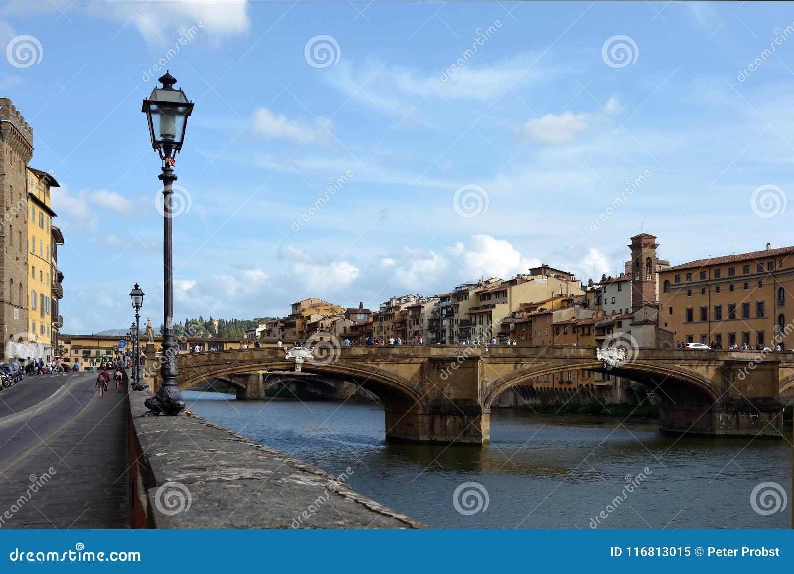 Ponte Santa Trinita Firenze - in Italia