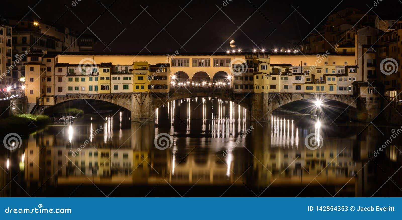 Ponte Vecchio bij Nacht, Florence Italy