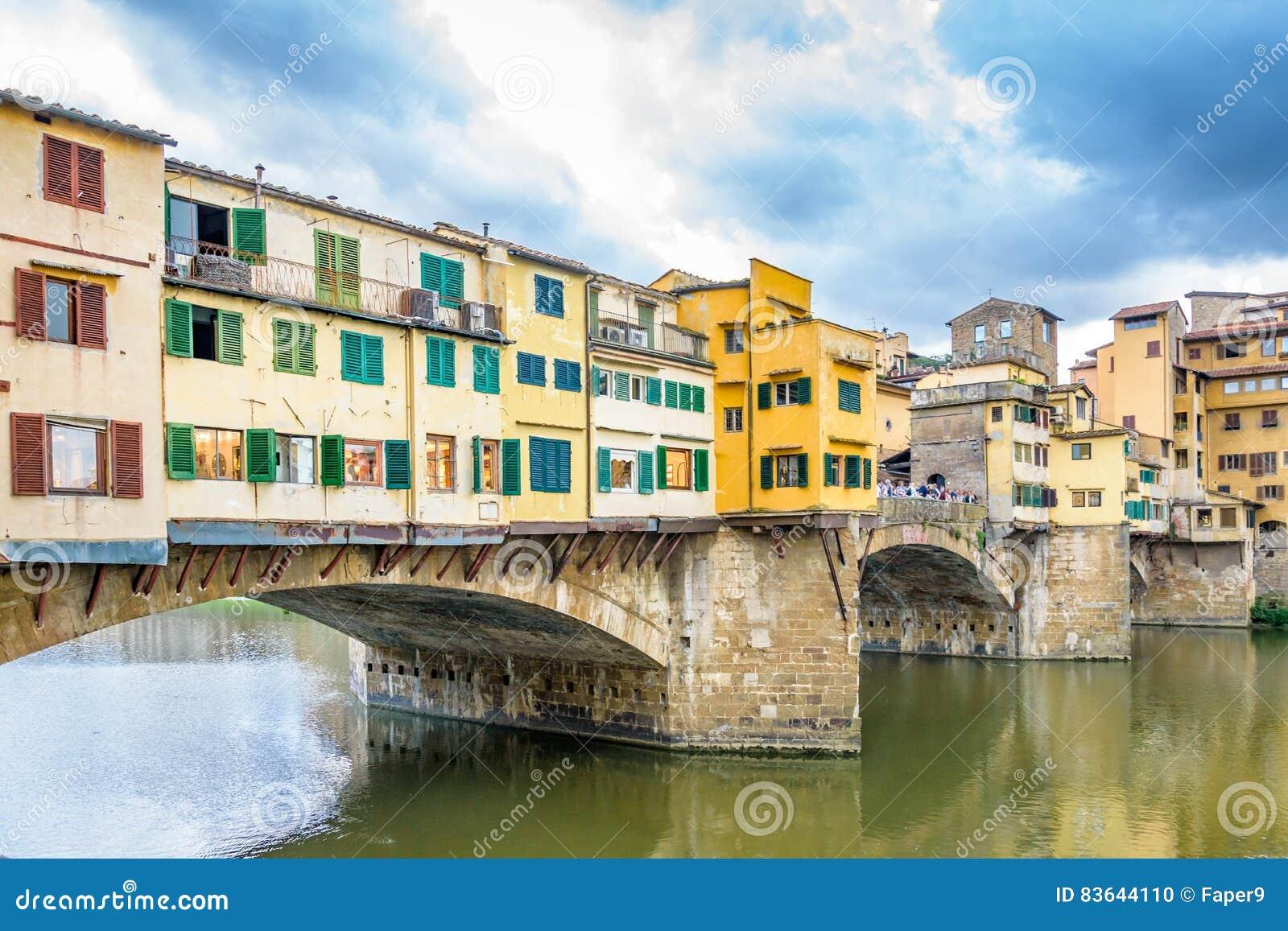Ponte Vecchio gammal bro i Florence italy