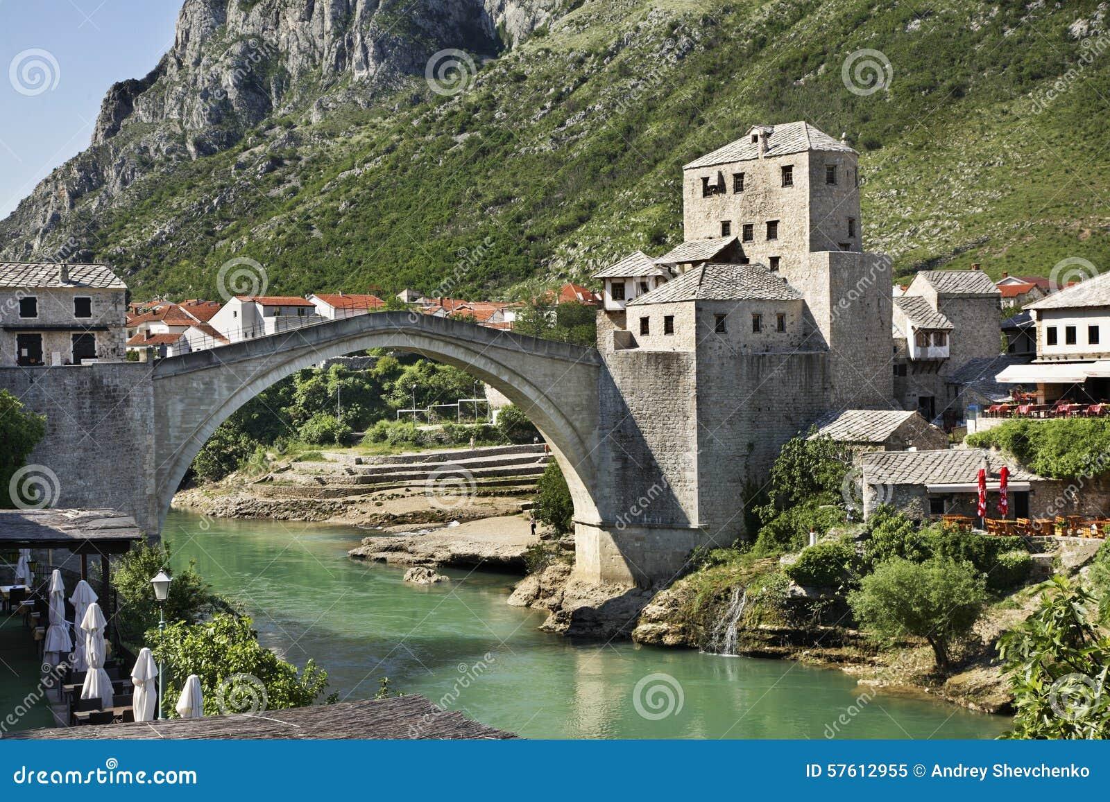 Ponte velha em Mostar Bósnia e Herzegovina