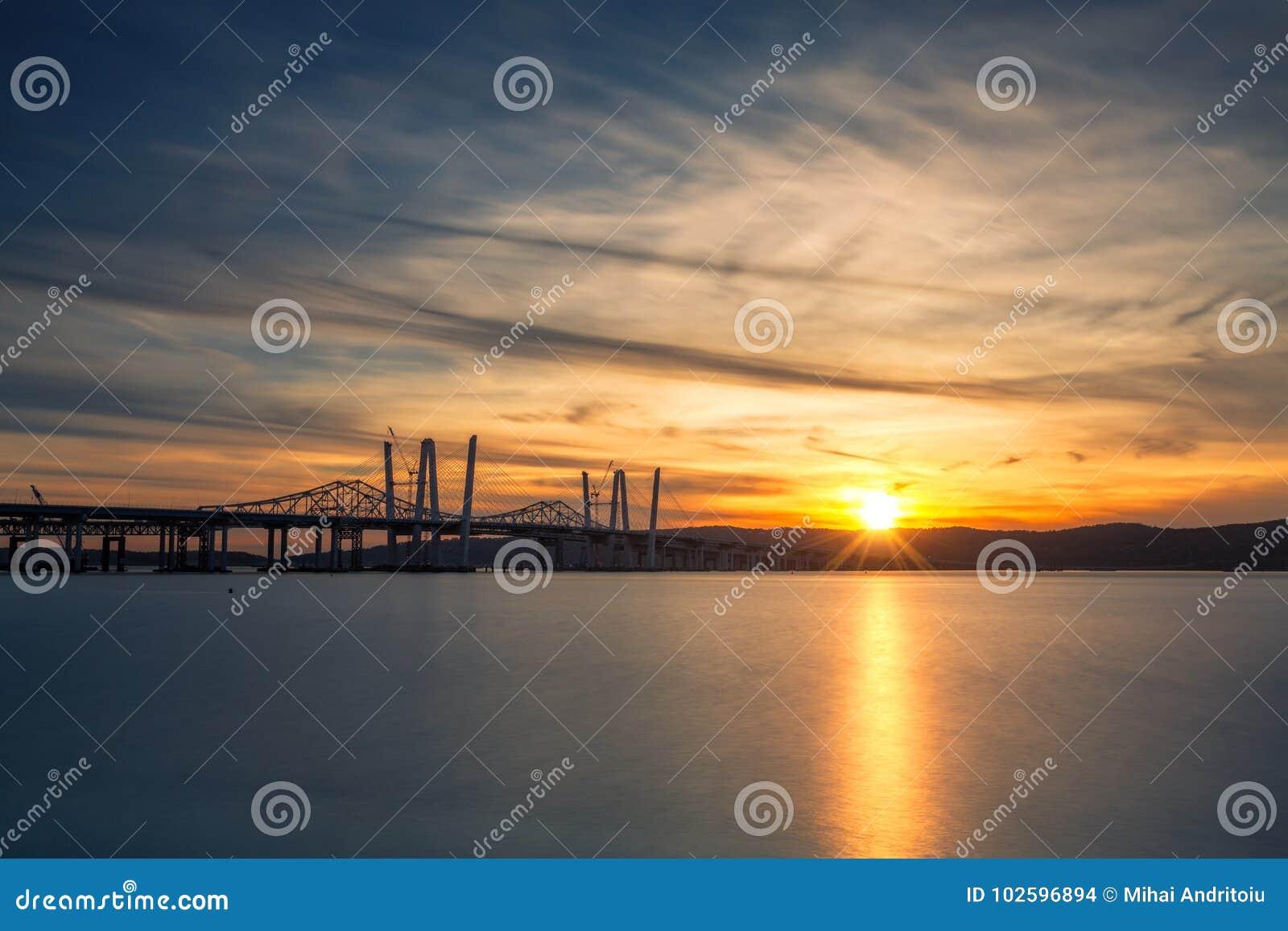 Pontes novas e velhas de Tappan Zee