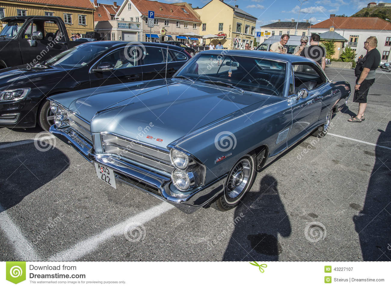 1965 Pontiac Catalina 2+2 421 Editorial Photography - Image of ...