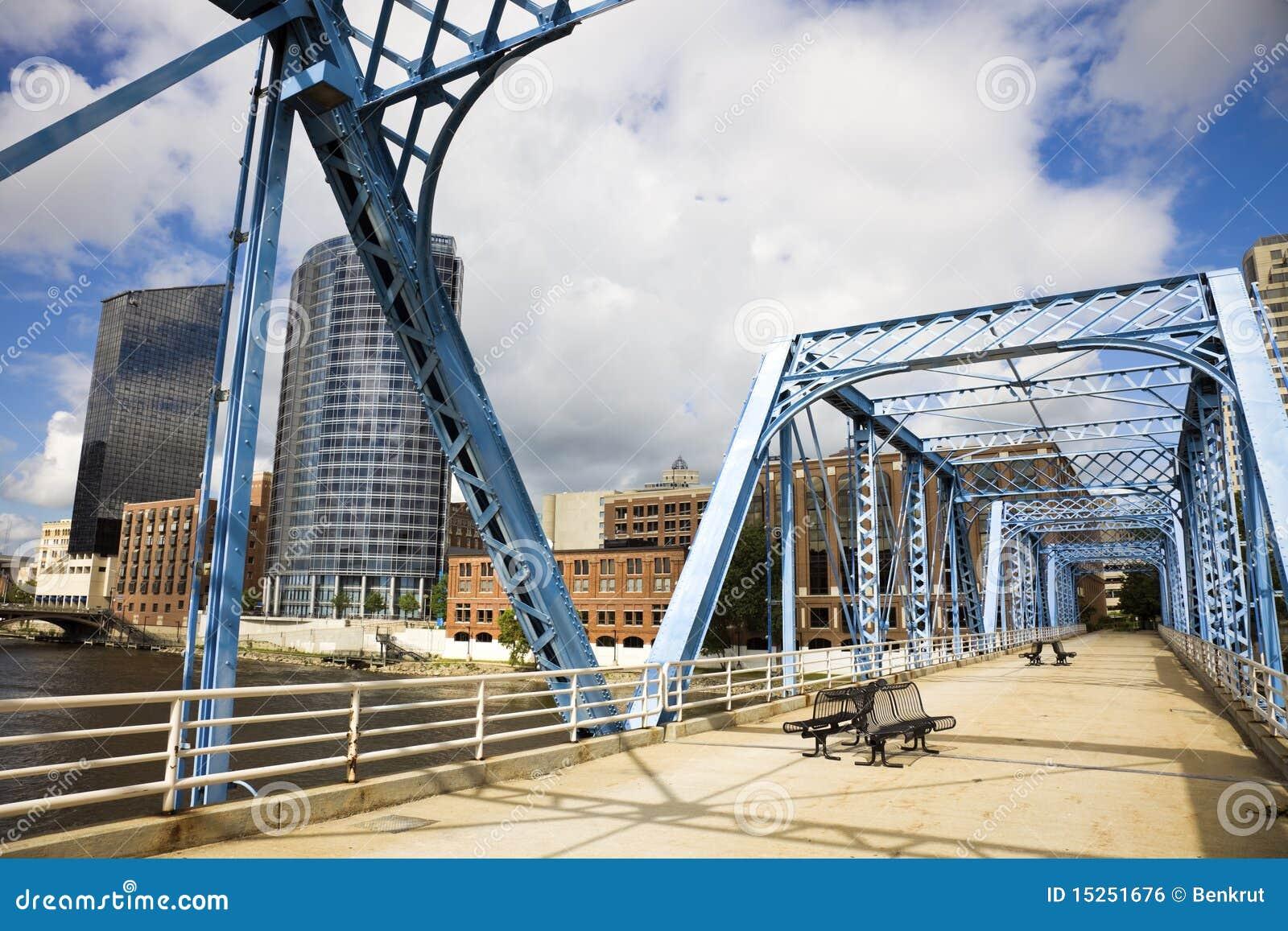 Ponticello blu a Grand Rapids
