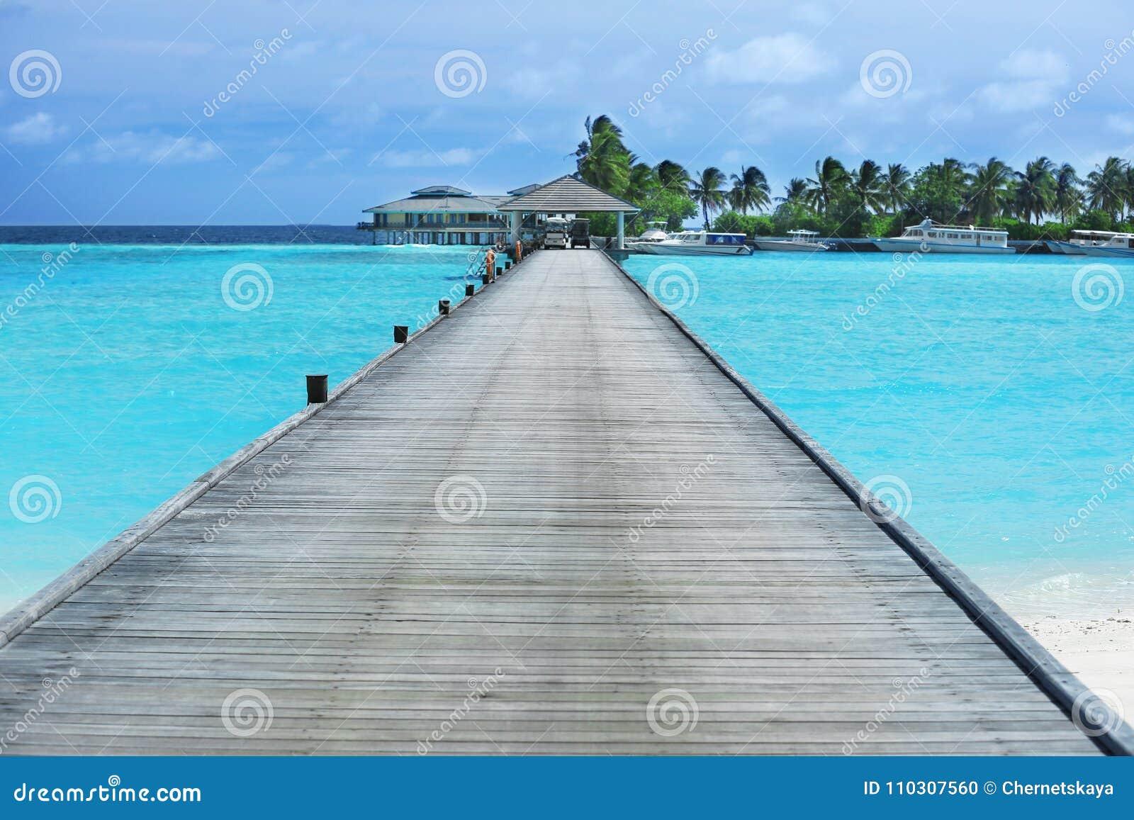 """Résultat de recherche d'images pour """"photo de ponton en bois"""""""