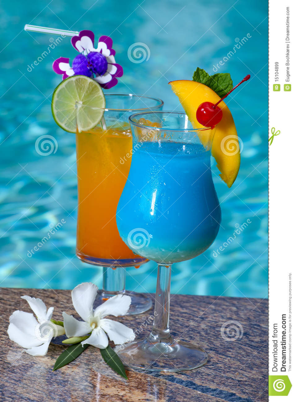 Poolside Cocktails Royalty Free Stock Images - Image: 15104899
