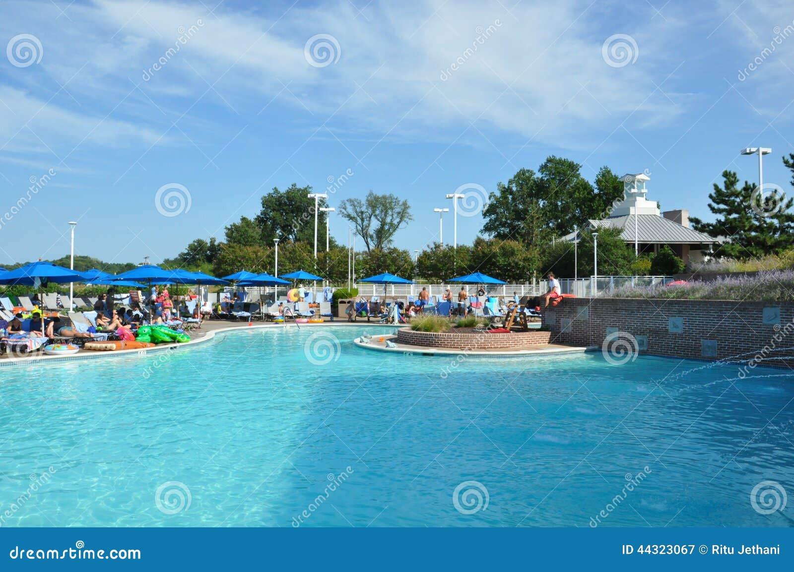 poolside fun at the hyatt regency chesapeake bay resort in. Black Bedroom Furniture Sets. Home Design Ideas