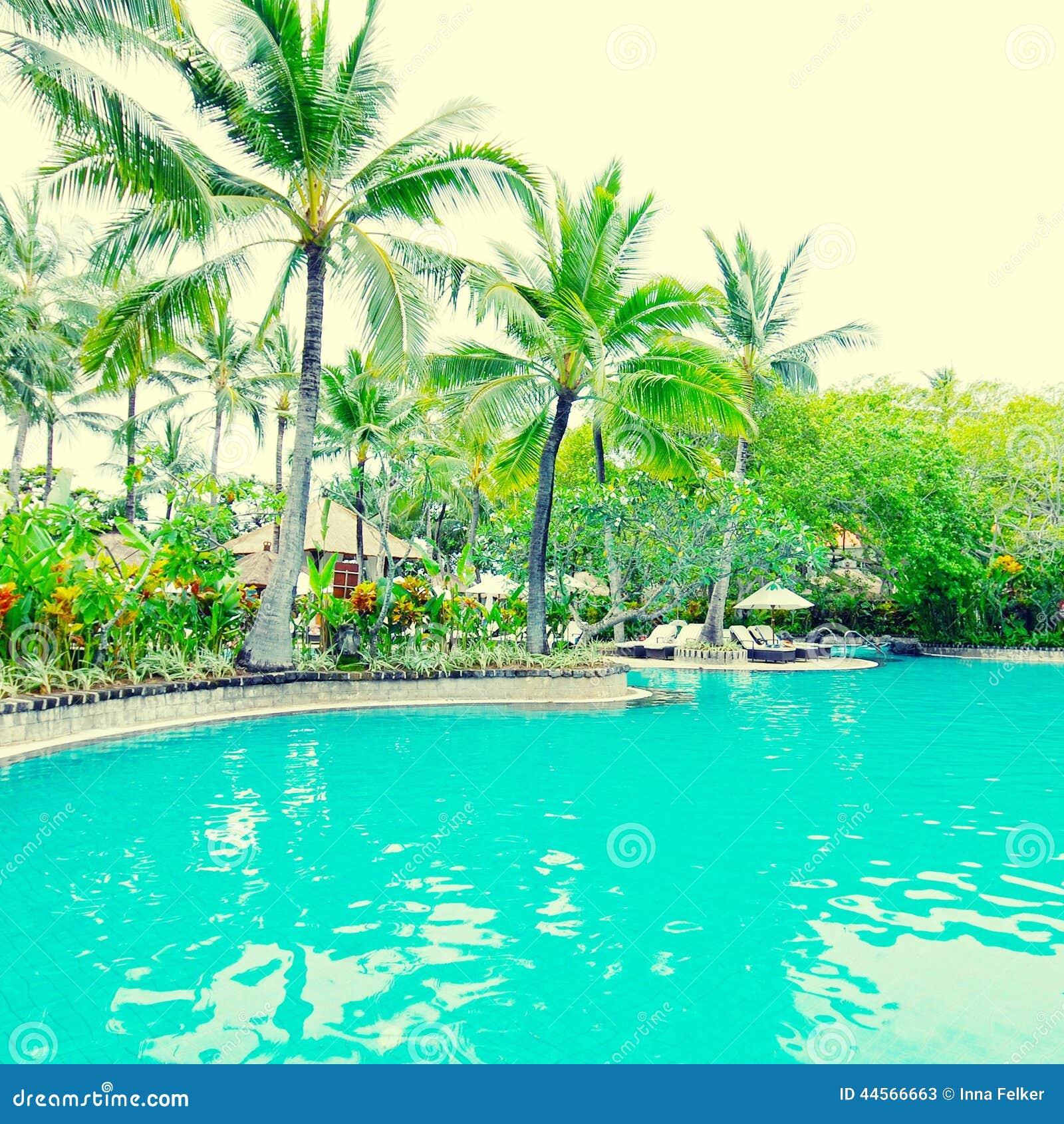 Poolside i det lyxiga hotellet, Bali, Indonesien
