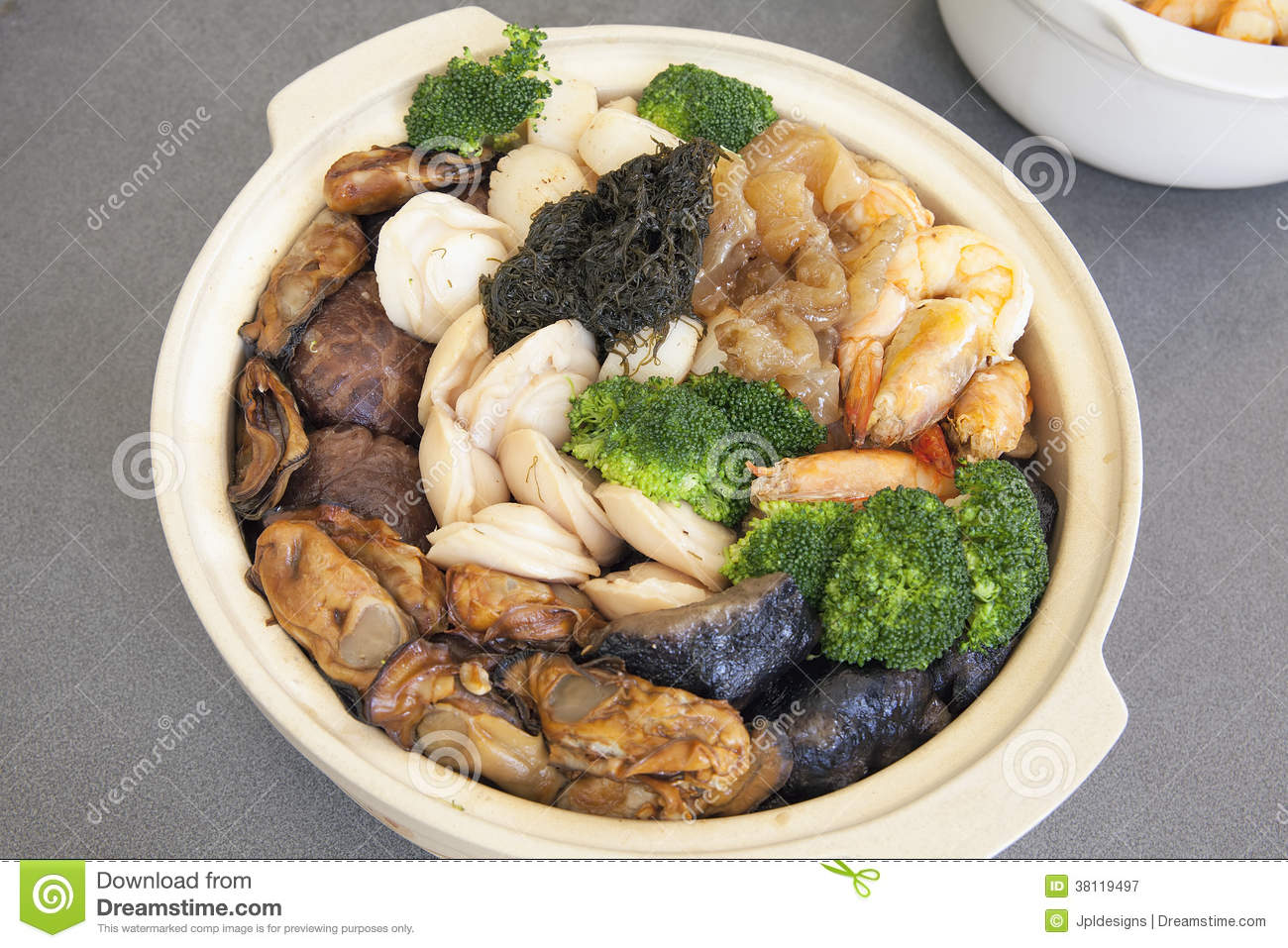 Poon choi cantonese big feast bowl stock image image of for Cuisine x hong kong