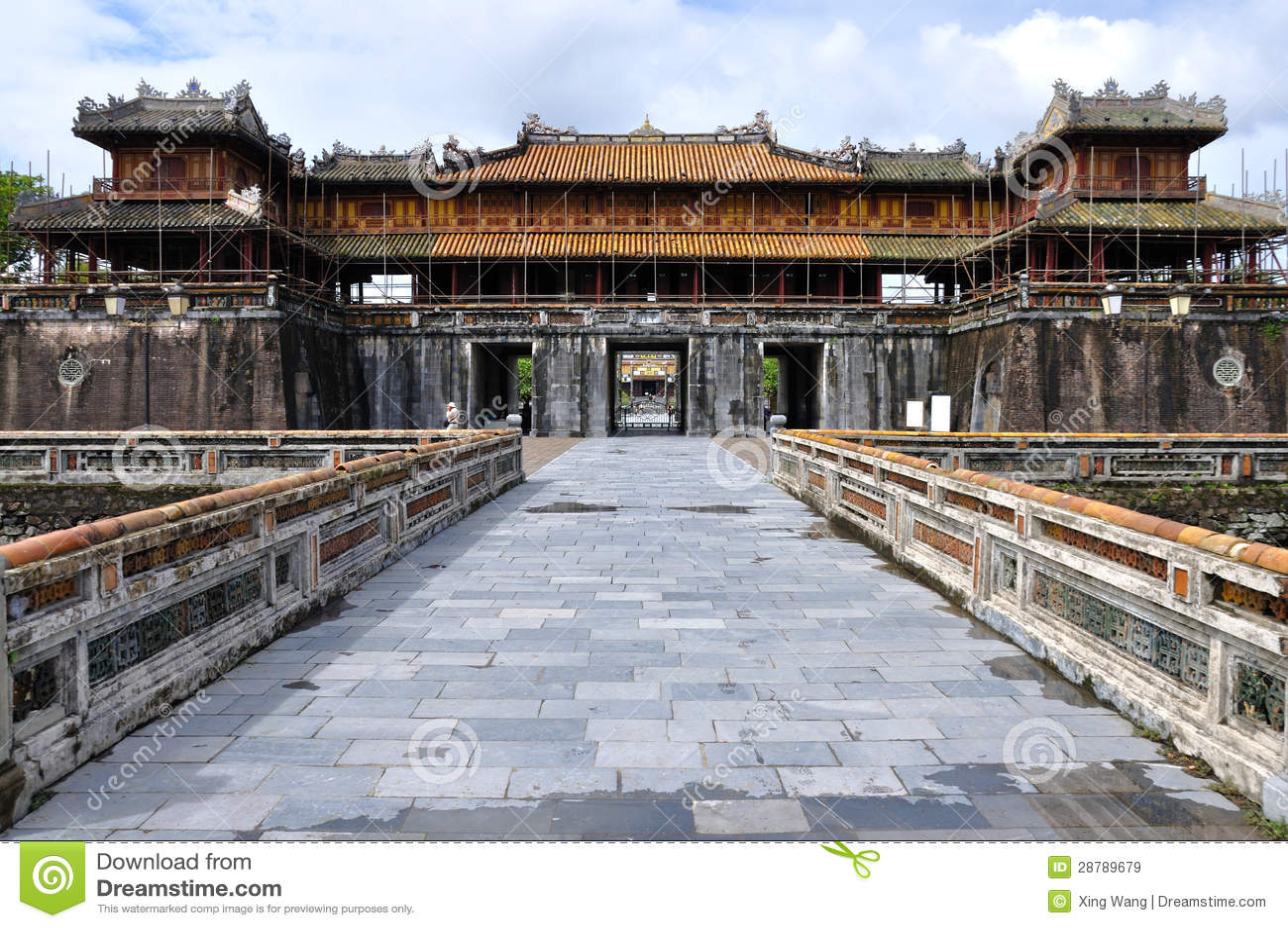 Poort aan de citadel van Tint